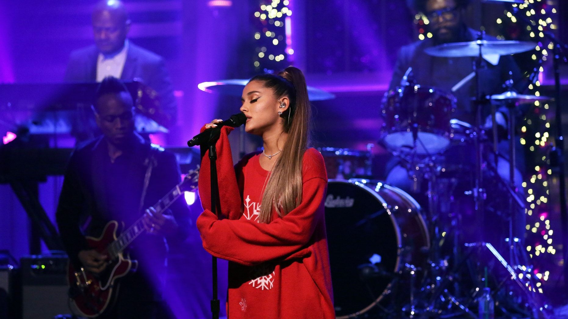 Ariana Grande cancels New Year's Eve weekend show in Las Vegas