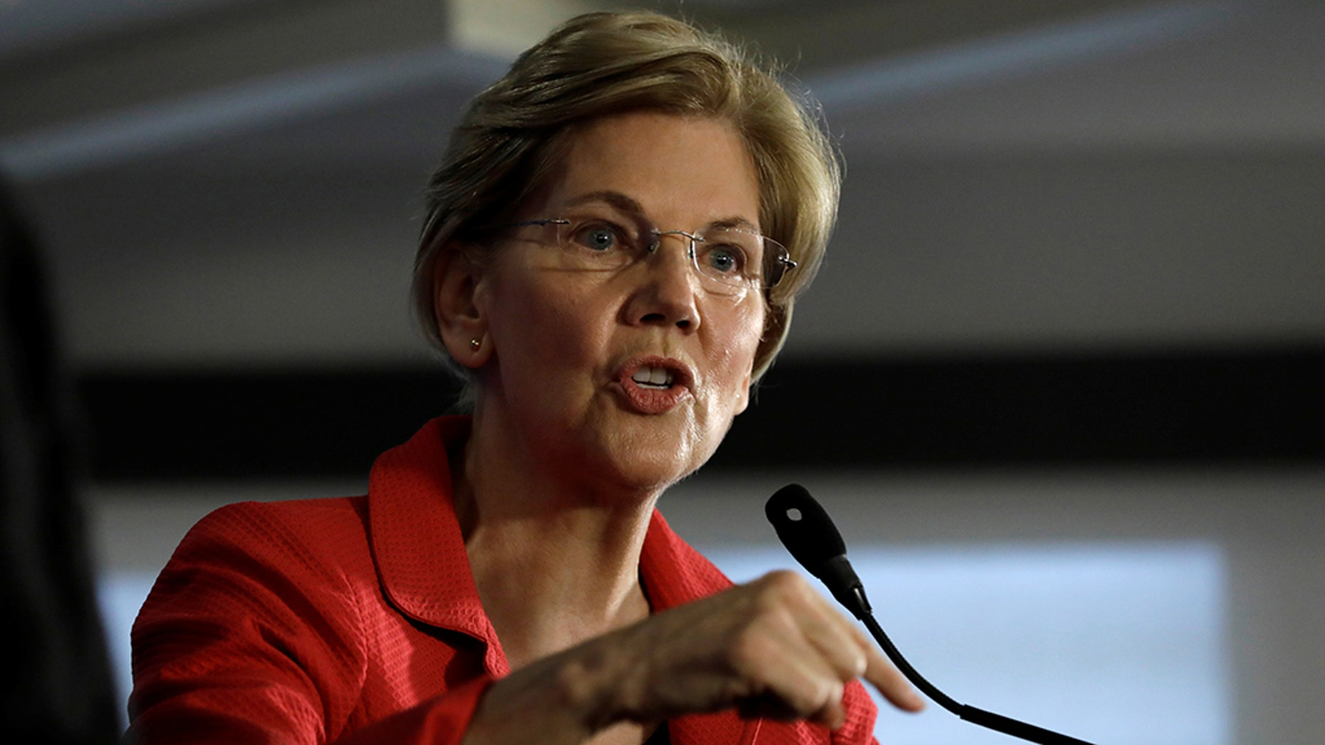 U.S. Sen. Elizabeth Warren, D-Mass., speaks in Washington, Aug. 21, 2018. (Reuters)