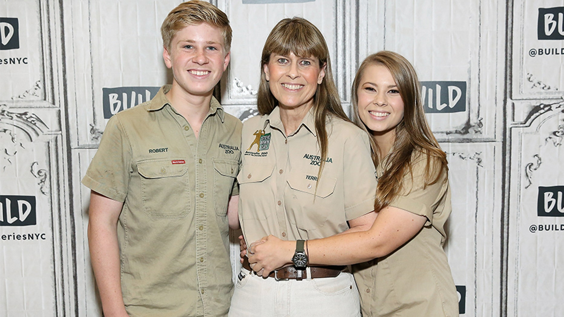 Bindi Irwin Nude Photos 41