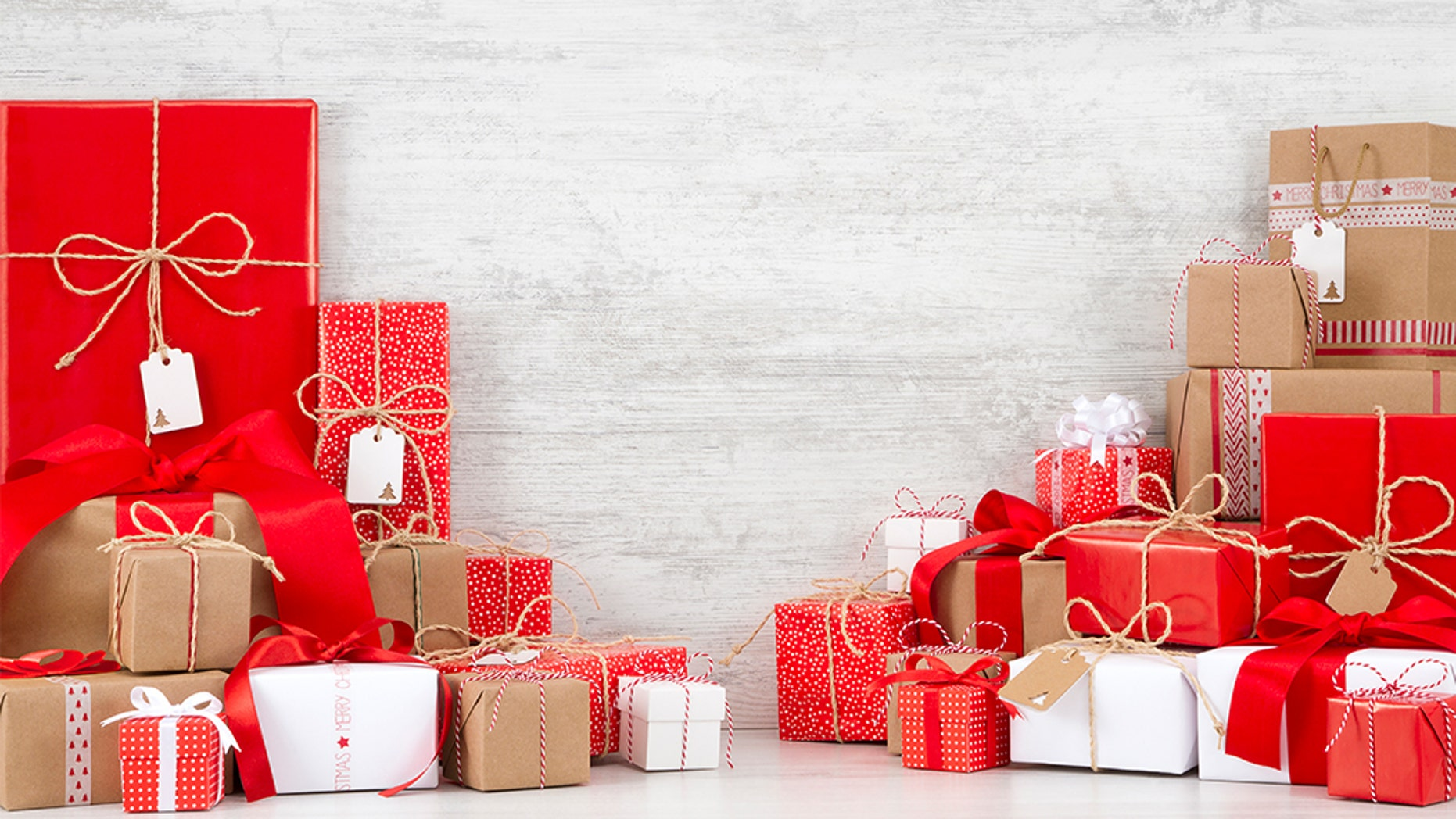 Dying man leaves 14 years of Christmas presents for neighbor's daughter