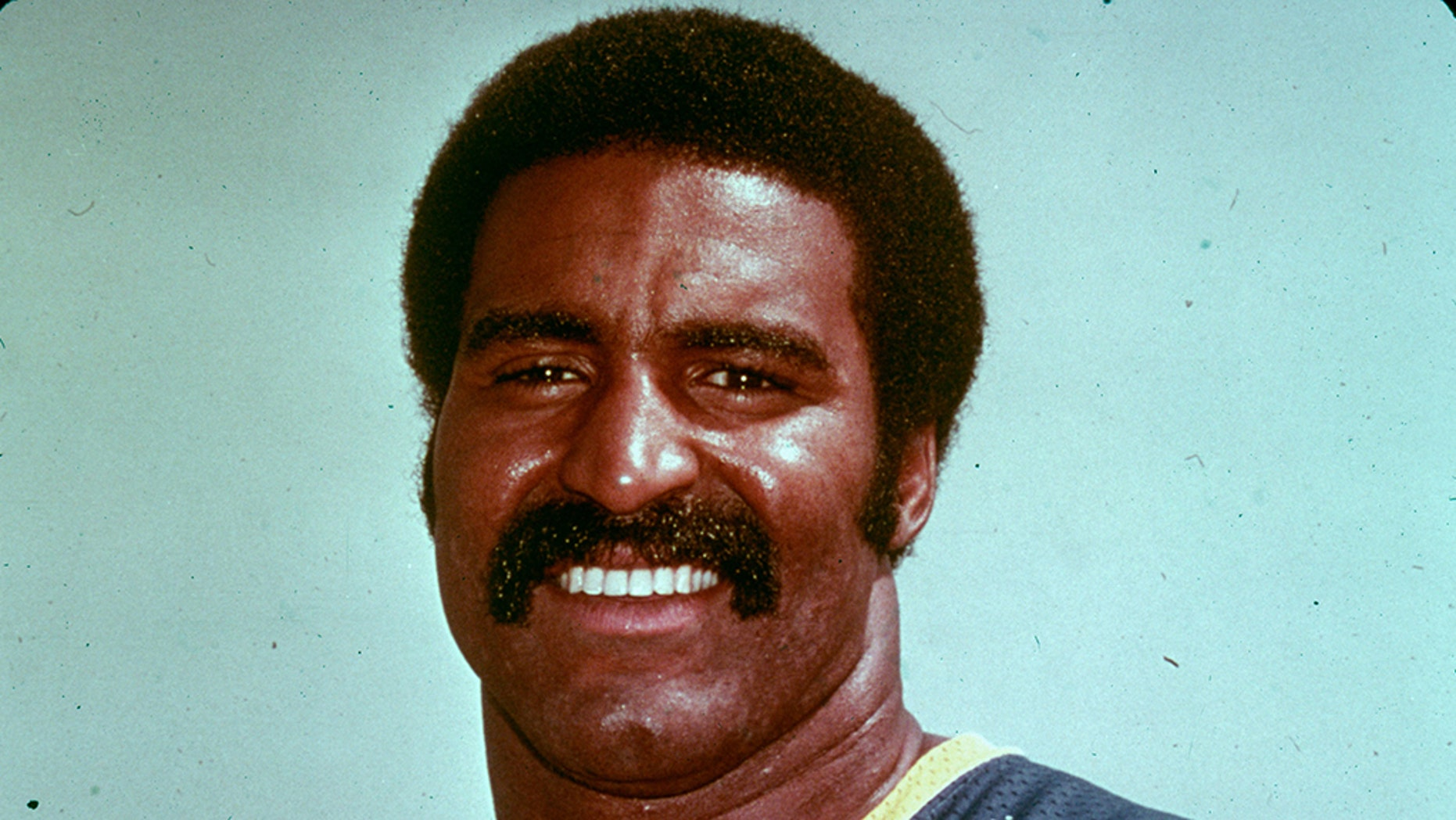 Isiah Robertson, former All-Pro, dies in vehicle  crash