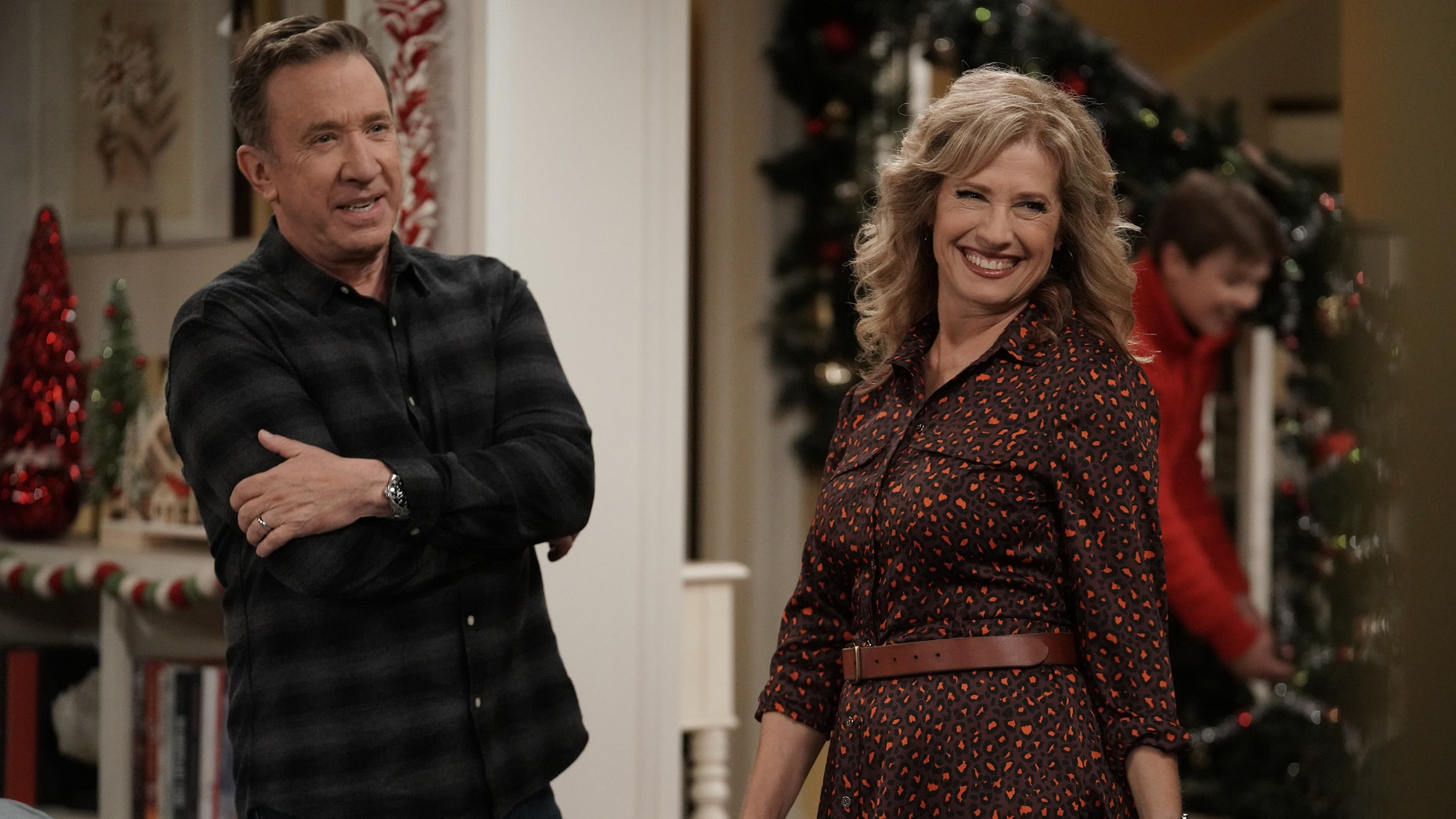 """LAST MAN STANDING: L-R: Tim Allen and Nancy Travis in the """"The Gift of the Mike Guy.""""<br> """