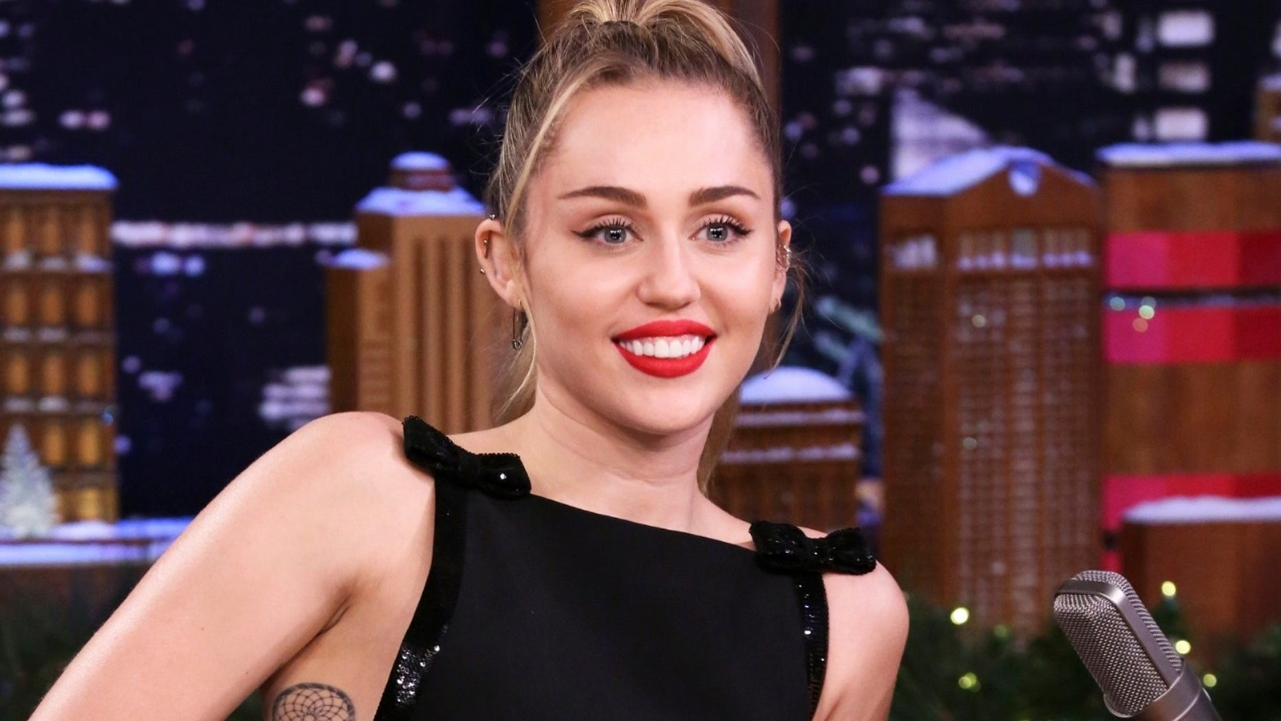 Miley Cyrus Puts Her Own Spin on Classic Christmas Tune 'Santa Baby'