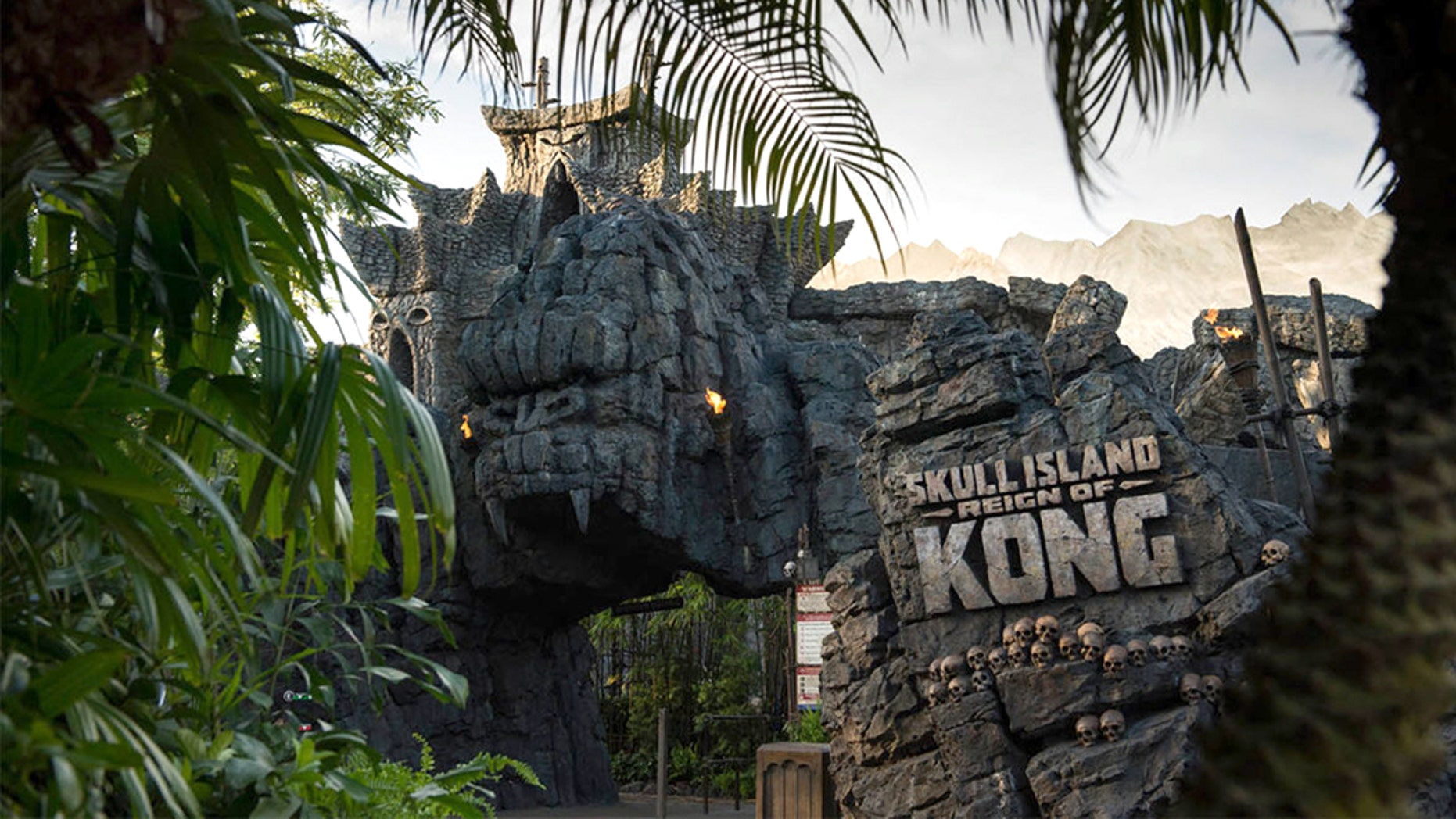 A new lawsuit claims a man collapsed and died after riding Universal Studio's Skull Island: Reign of Kong in December 2016.
