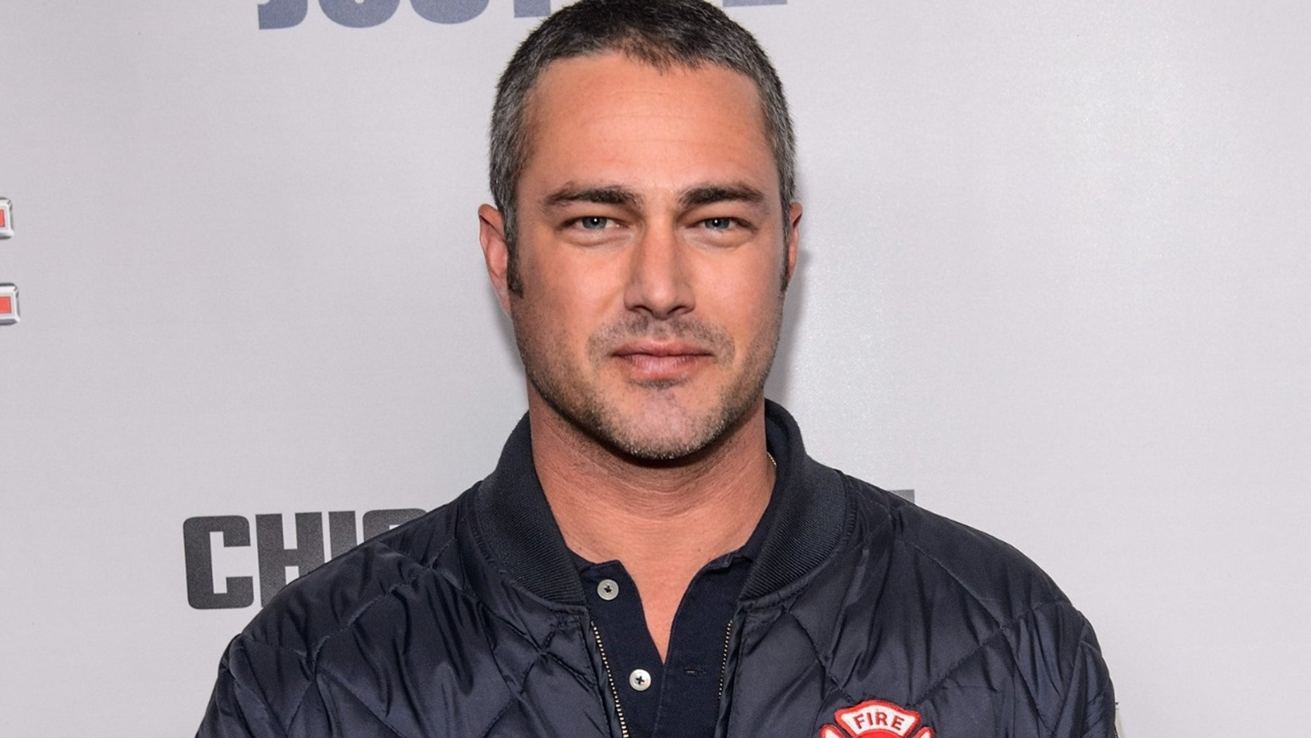 Taylor Kinney Helped A Man Whose Cars Tire Blew Out On Christmas Eve