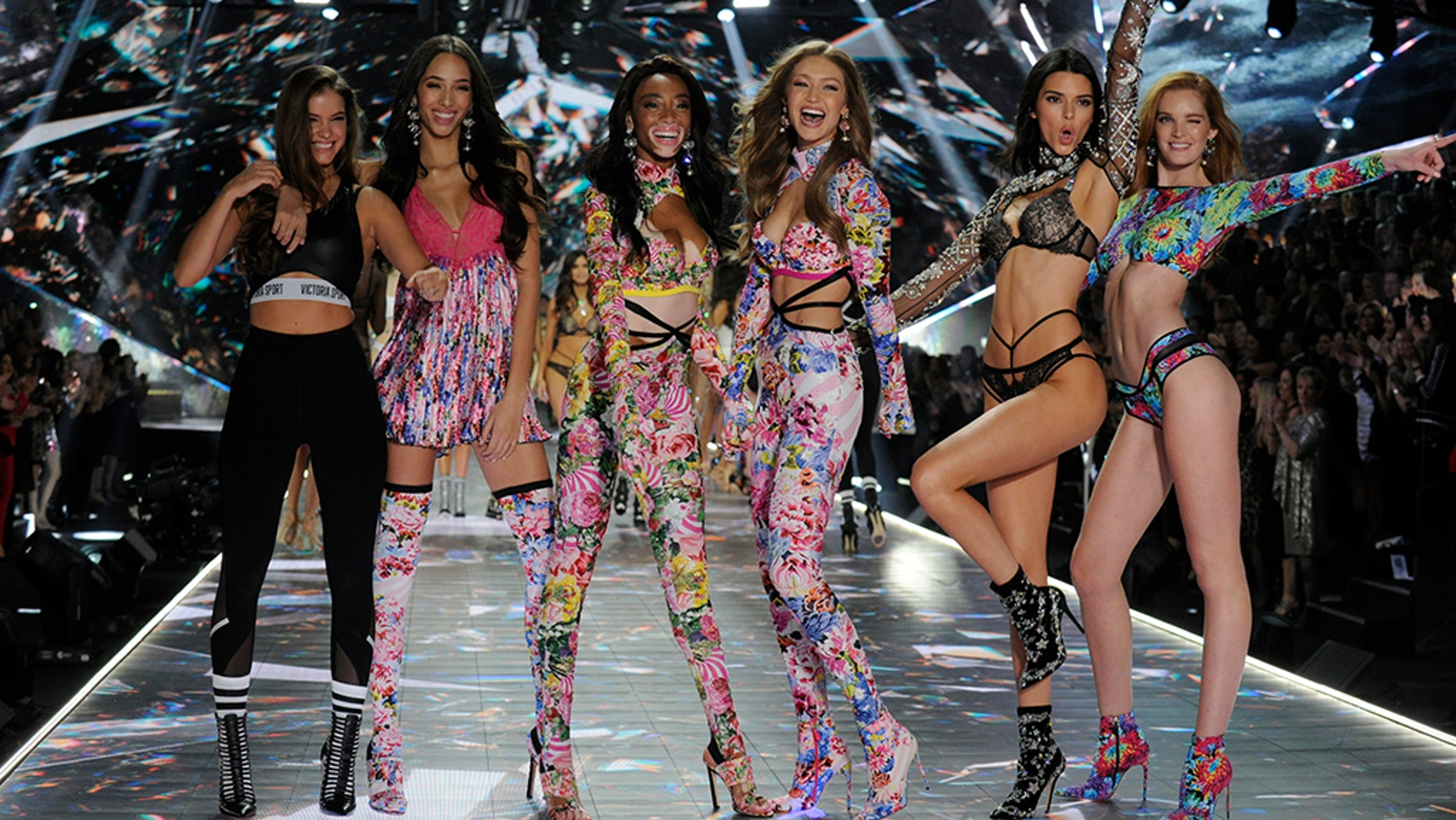 Victoria's Secret's Angels take to the runway for the 2018 Victoria's Secret Holiday Special.