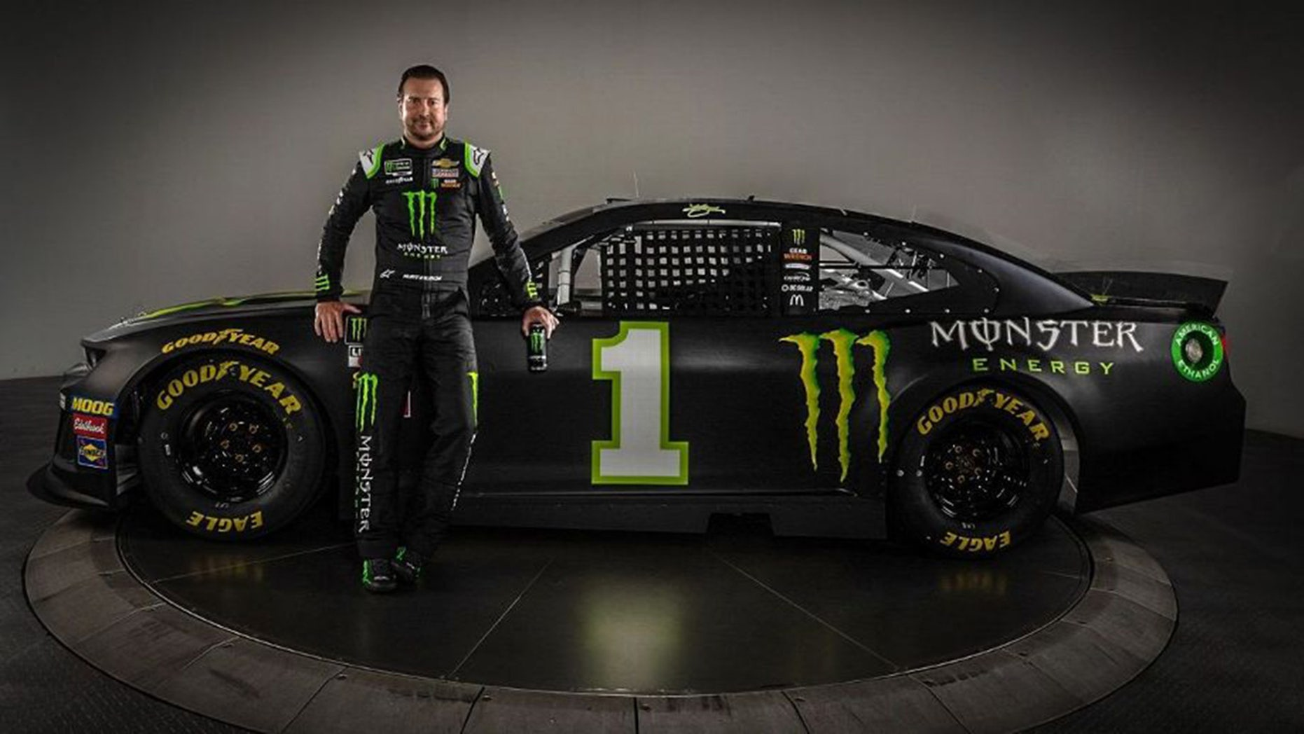 Kurt Busch signs with Chip Ganassi Racing after leaving Stewart-Haas