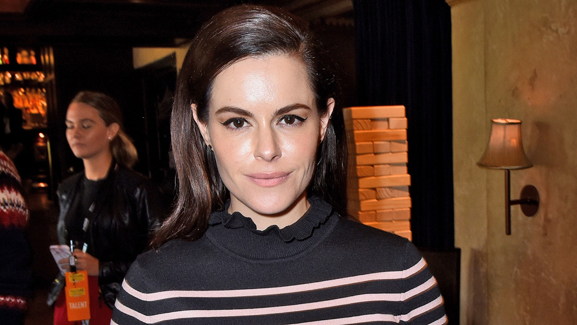 Schitts Creek Christmas Special.Schitt S Creek Star Emily Hampshire S Ex Wanted To Buy Her