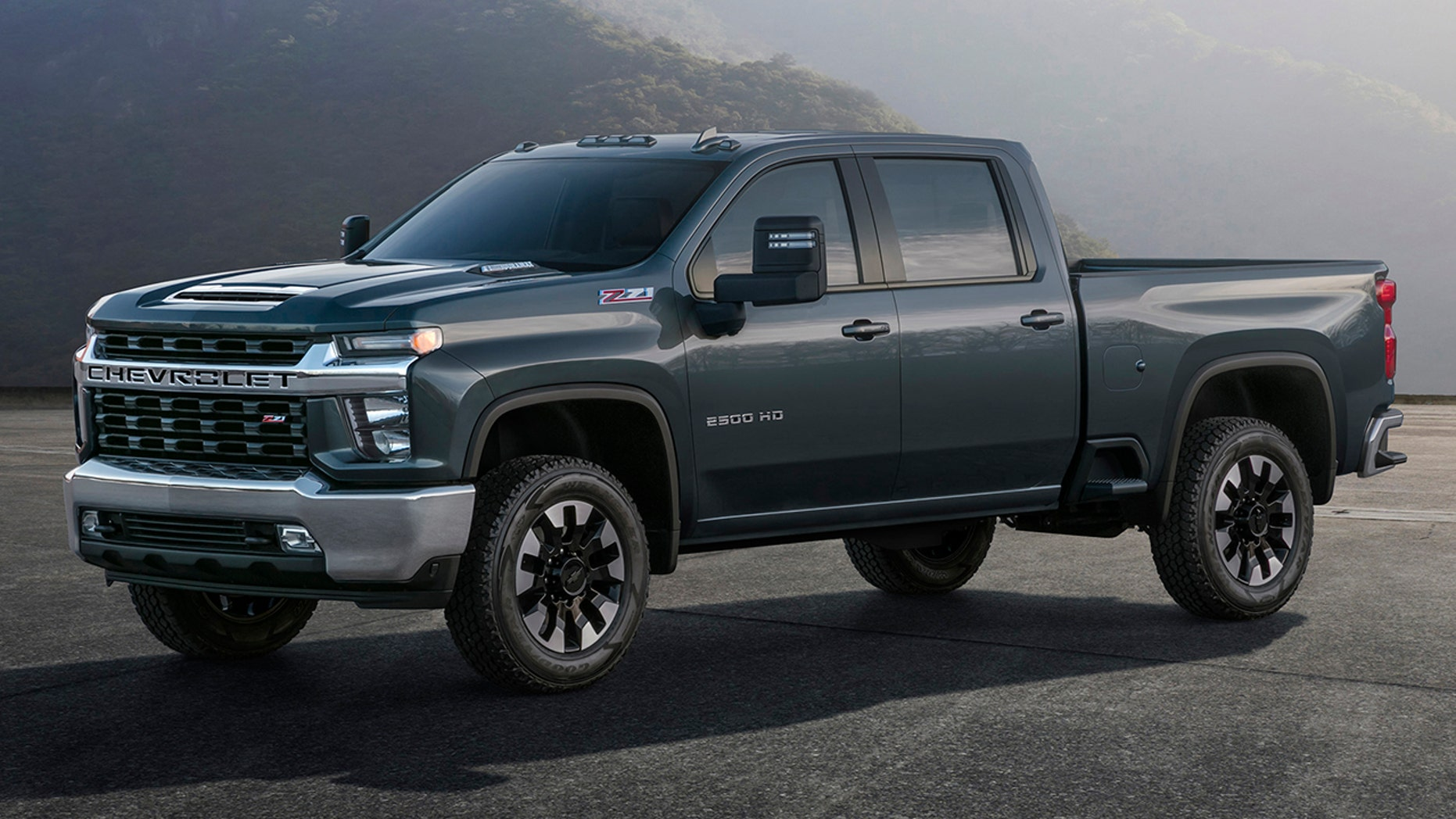 Chevrolet Silverado HD looks as brutish and bulky as ever