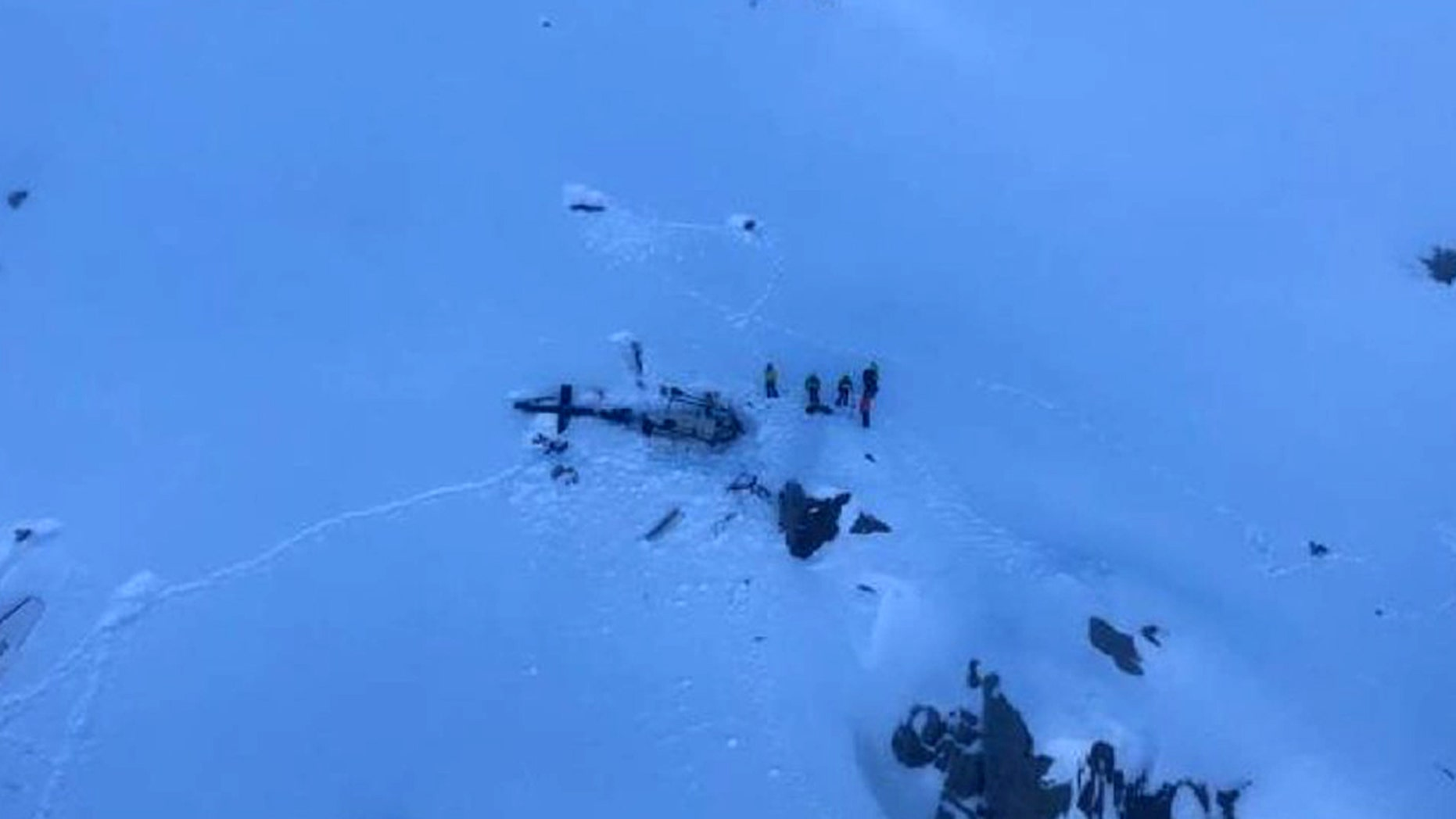 7 killed as helicopter and light aircraft crash over Italian Alps