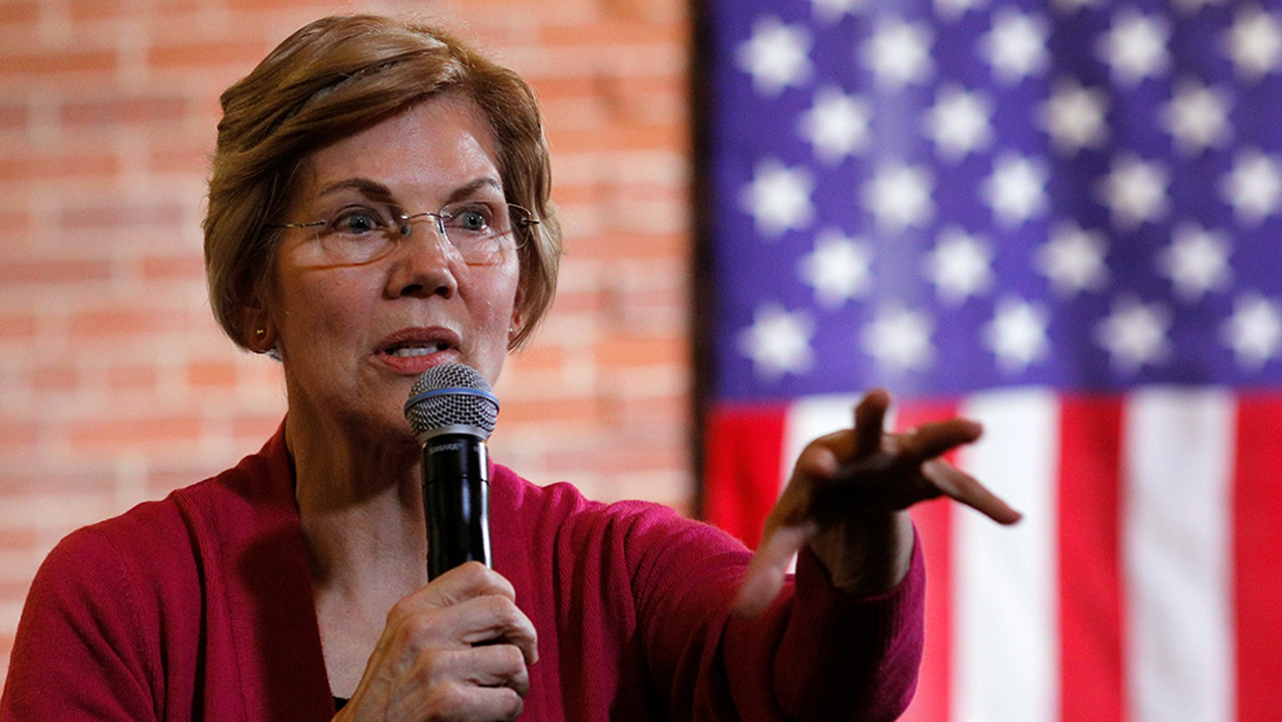 Democratic Sen. Elizabeth Warren visited Puerto Rico on Tuesday as she explores a run for president, promising to help rebuild the island from Hurricane Maria and support laws that would offer the U.S. territory equal treatment and debt relief. (REUTERS/Brian Snyder)
