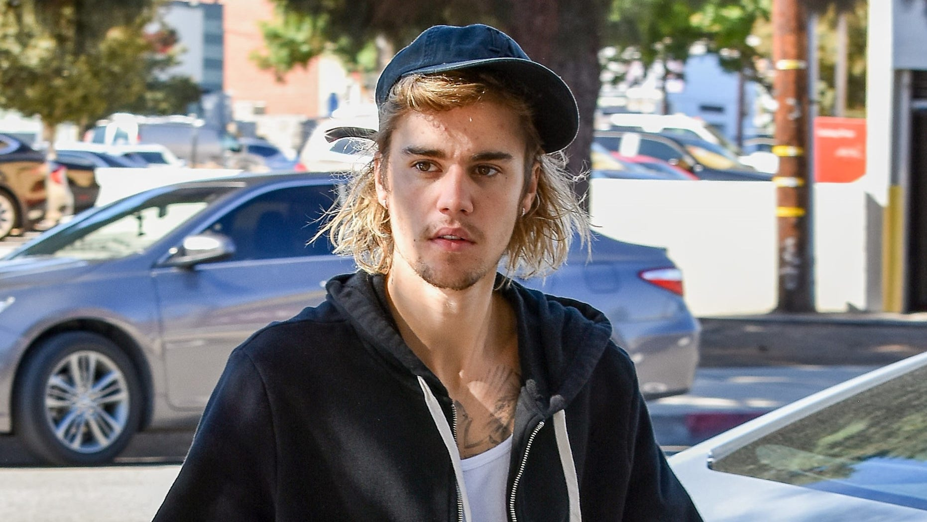 Justin Bieber Got A Face Tattoo