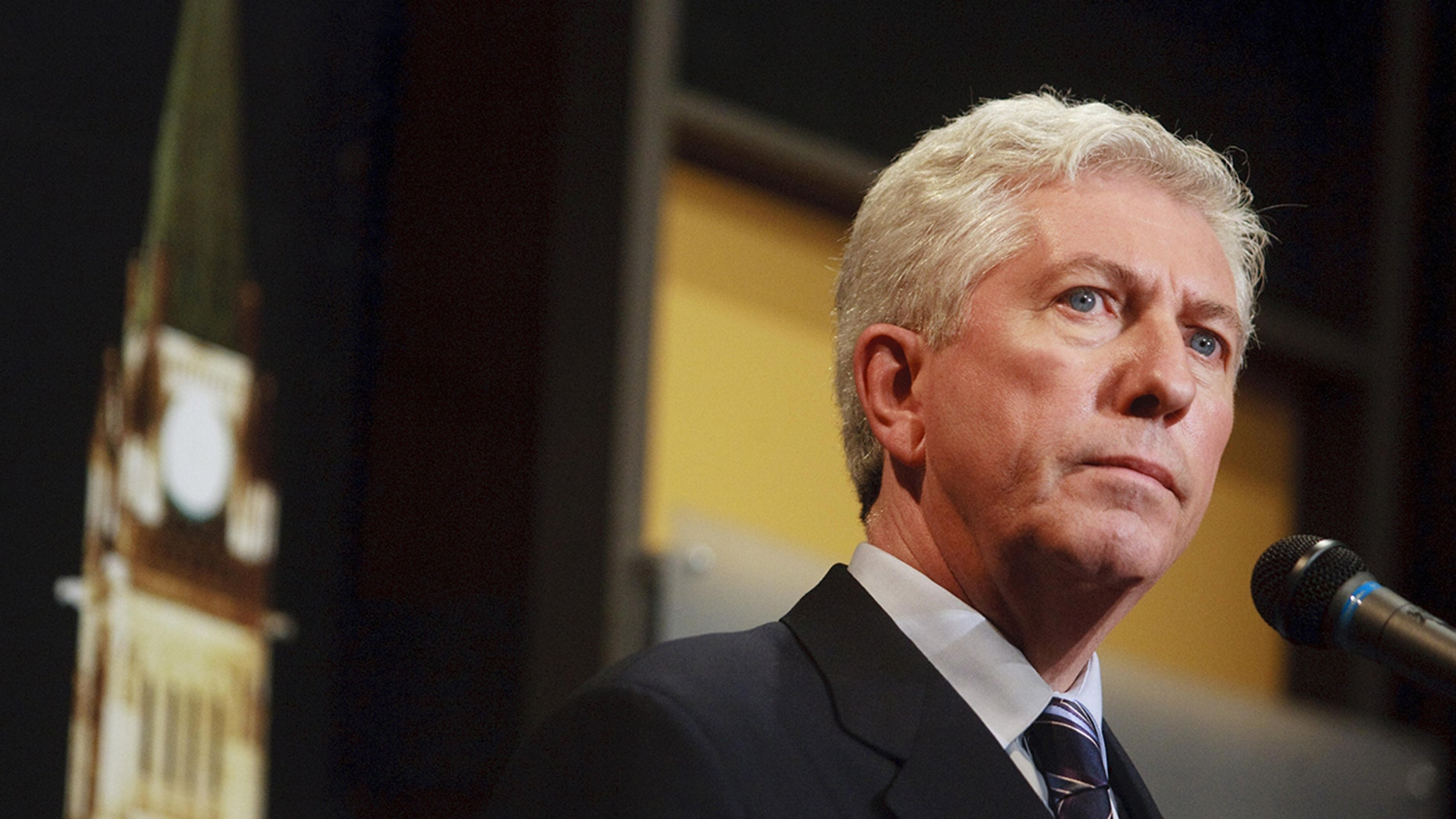 Quebec separatist leader Gilles Duceppe addressed the media during a debate at the National Arts Centre in Ottawa, Ontario, October 1, 2008.