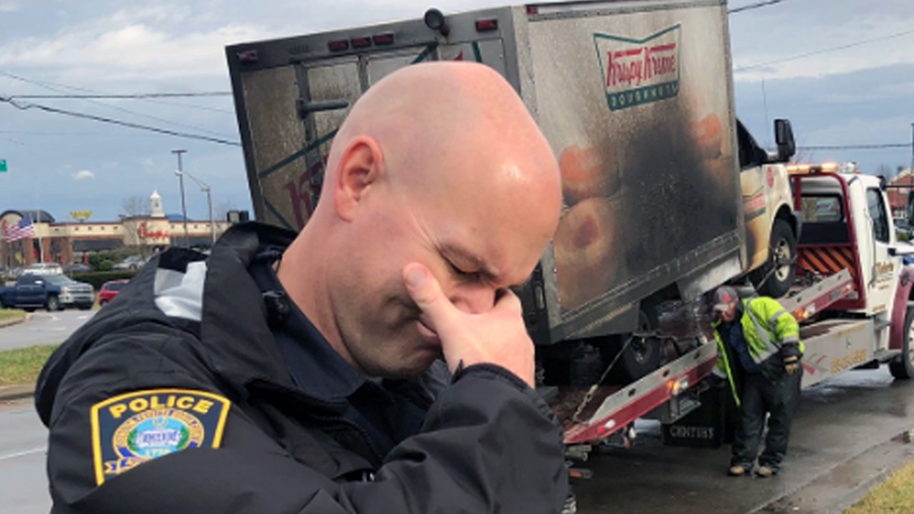 Kentucky Police Officers post photos 'grieving' over loss of doughnut truck
