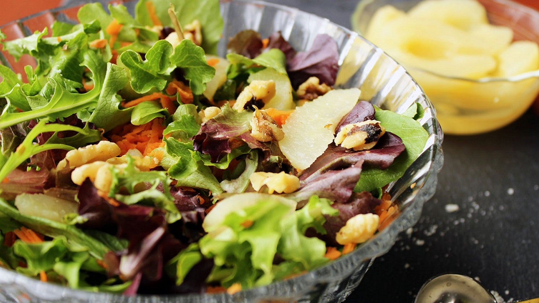 Long lines for salads in New York emanate commotion in a days after eat healthy New Year's resolutions.
