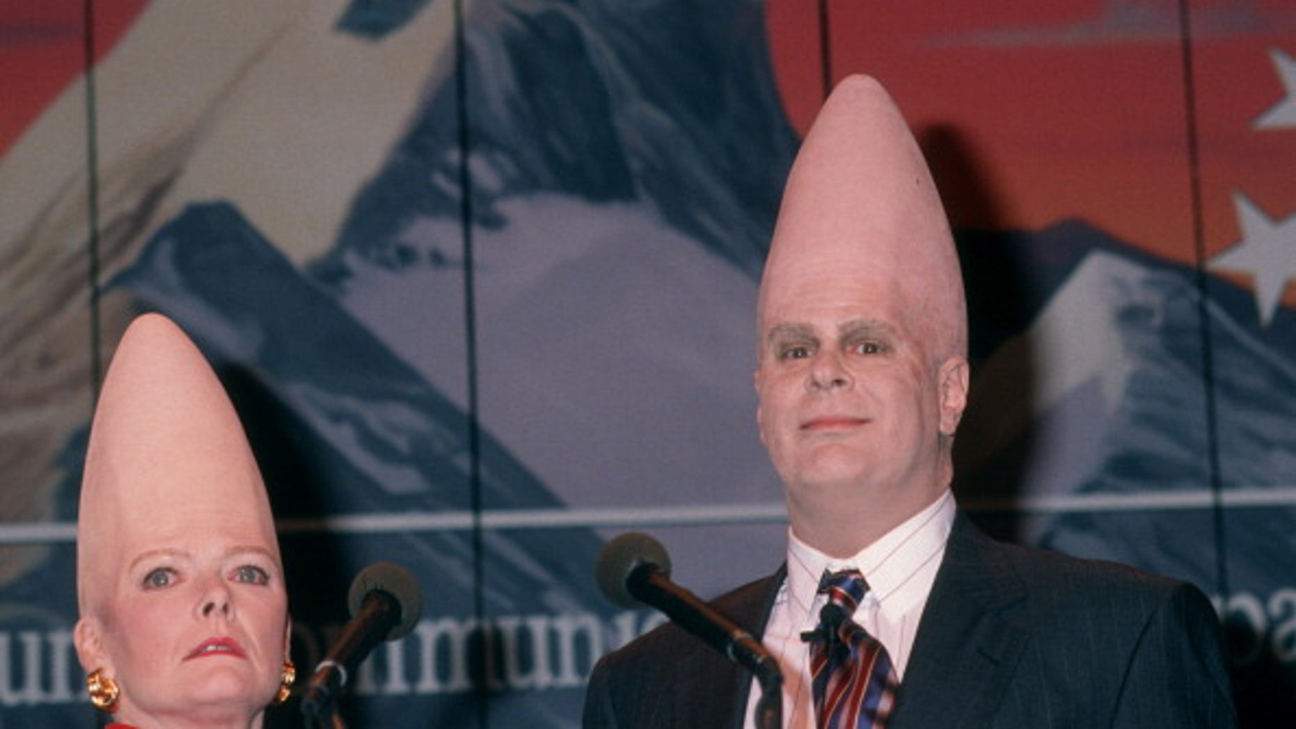 Jane Curtin and actor Dan Aykroydin their Conehead costumes in1993. (Ron Galella, Ltd./WireImage)