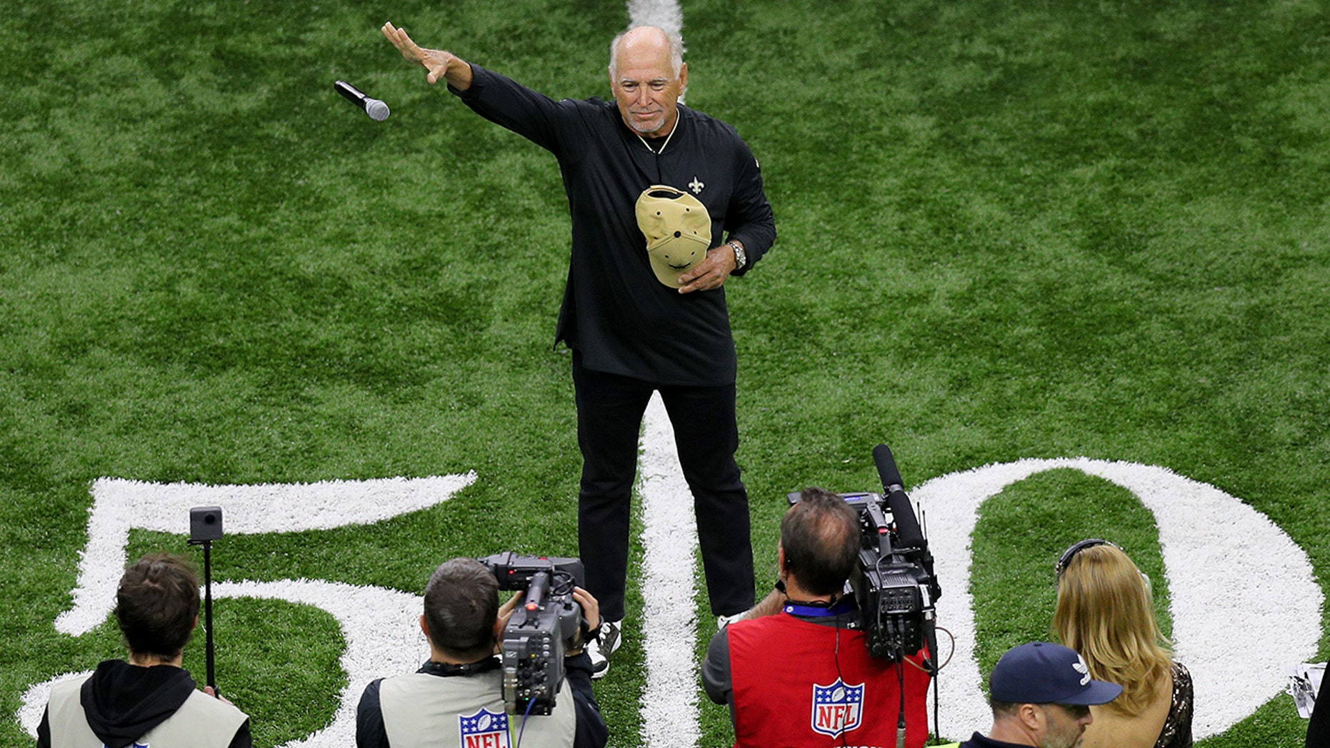 NEW ORLEANS, LOUISIANA - JANUARY 20: Musician Jimmy Buffett sings the national anthem prior to the NFC Championship game between the Los Angeles Rams and the New Orleans Saints at the Mercedes-Benz Superdome on January 20, 2019 in New Orleans, Louisiana. (Photo by Jonathan Bachman/Getty Images)