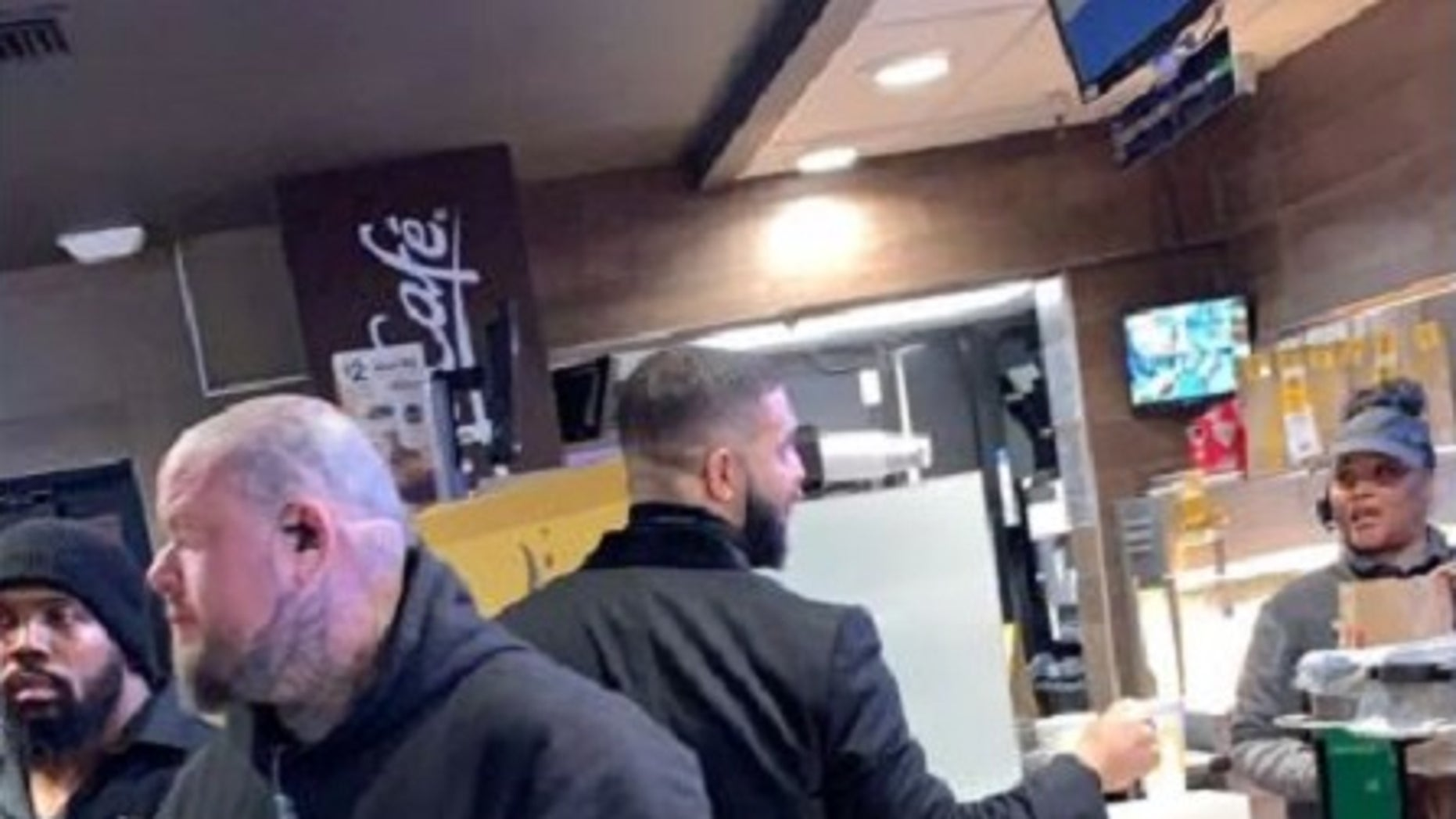 Drake hands out $20G in cash to McDonald's employees