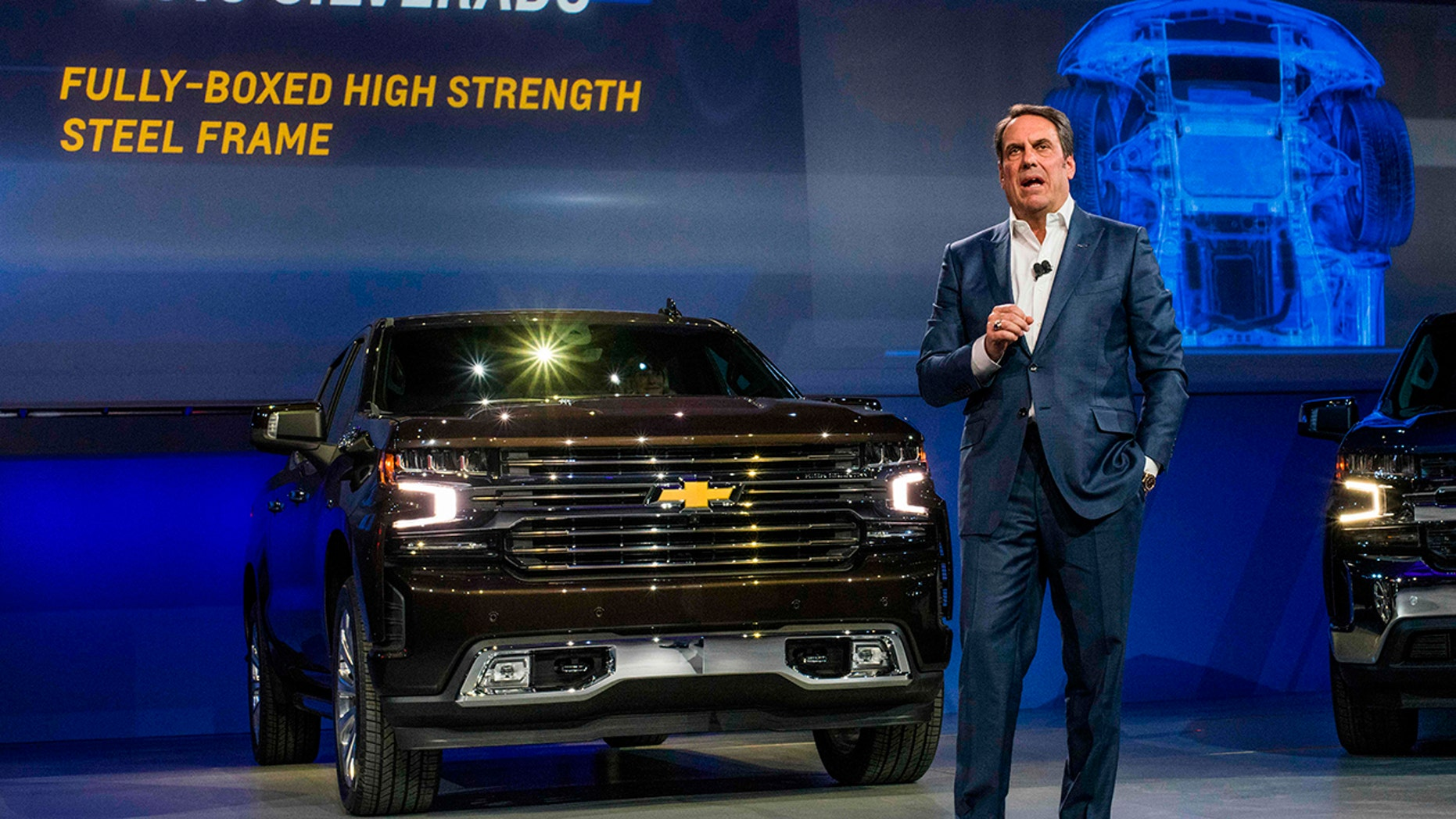 GM names Mark Reuss president