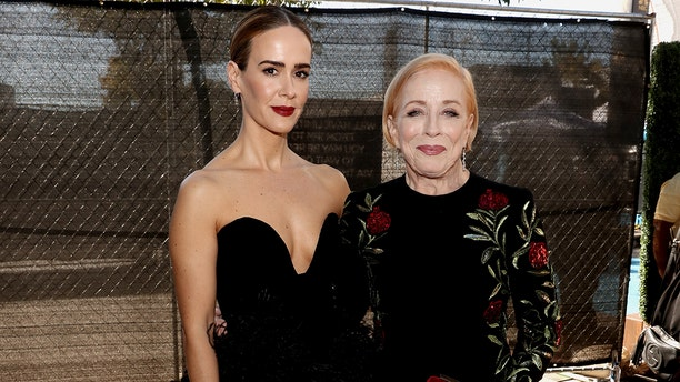Sarah Paulson revealed how she and Holland Taylor started dating.