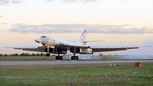 A Tu-160 bomber lands at a Russian airbase in 2008. (Photo by Wojtek Laski/Getty Images)