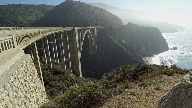 The Pacific Coast Highway passes over the Bixby Creek Arch Bridg in Big Sur, California.