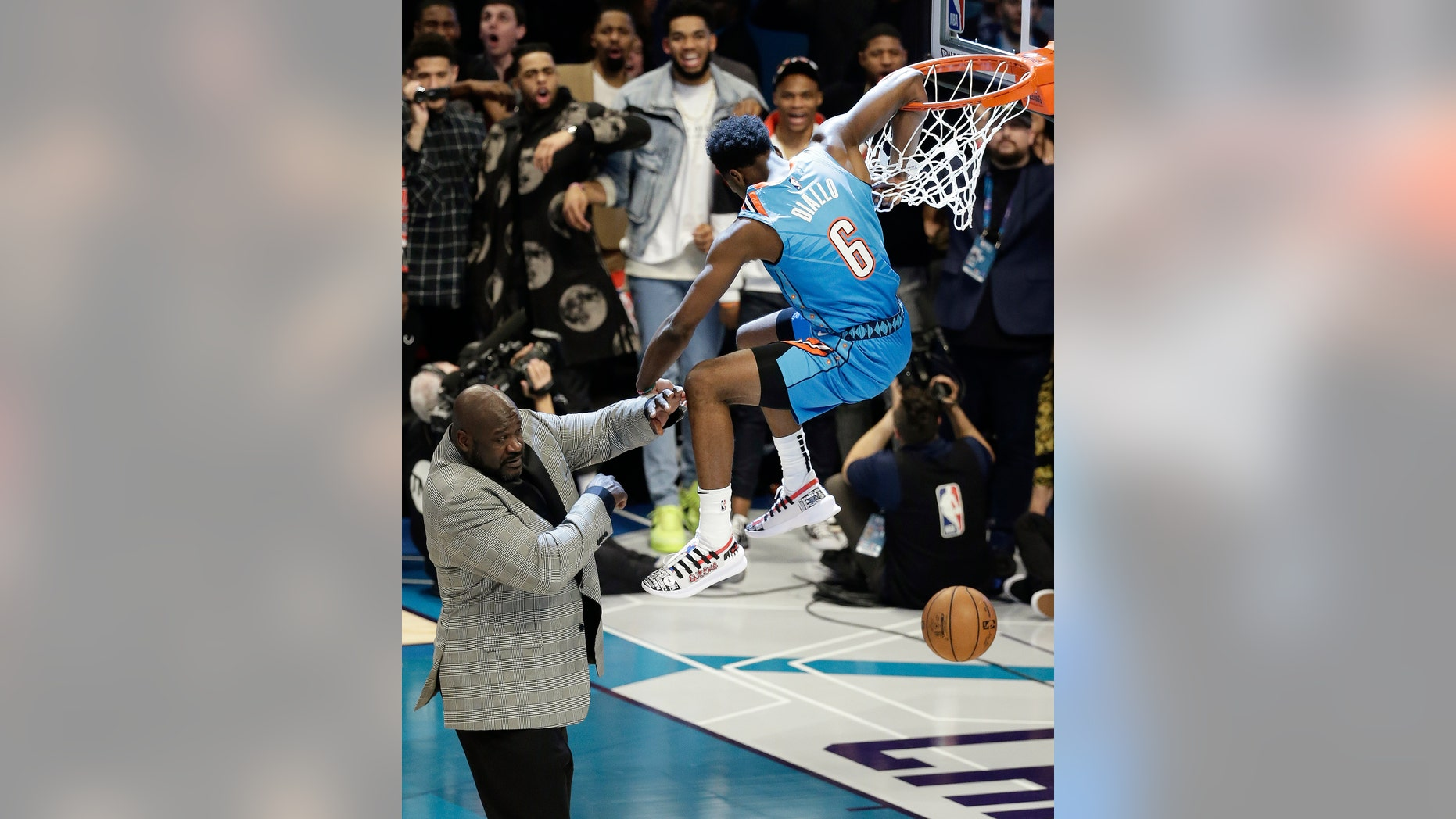 "Oklahoma City Thunder Hamidou Diallo leaps over former NBA player Shaquille O & Neal during the NBA All-Star Slam Dunk competition on Saturday, February 1<div class=""e3lan e3lan-in-post1""><script async src=""//pagead2.googlesyndication.com/pagead/js/adsbygoogle.js""></script>
