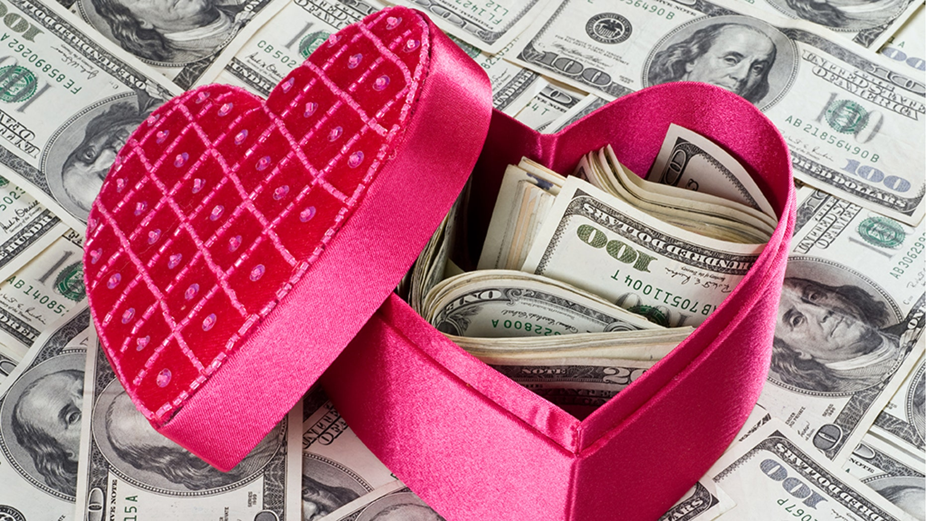The FTC says romance-related scams have surged and generated more losses than any other consumer fraud reported last year. (iStock)