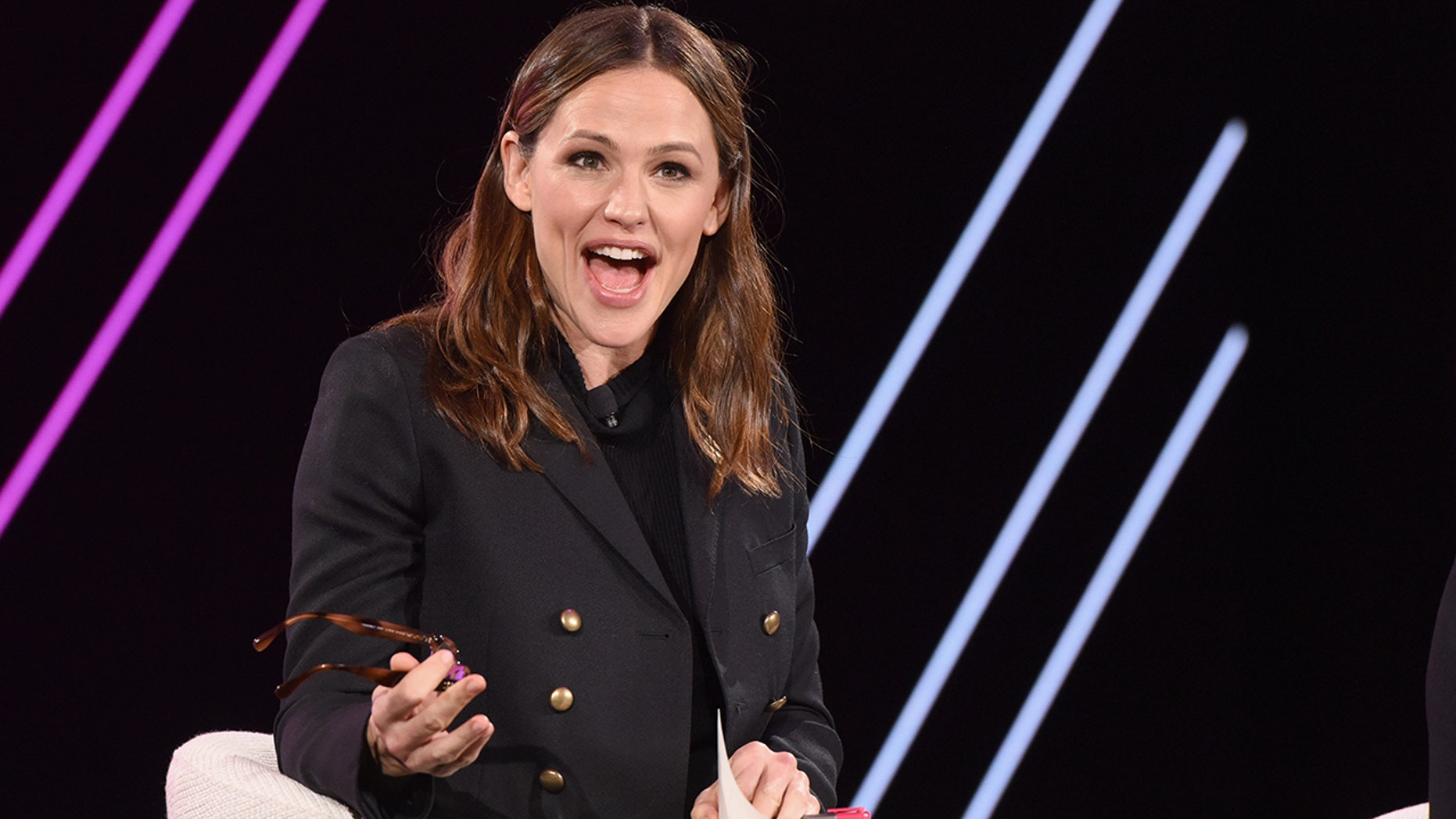 Jennifer Garner praised female-led shoots in a male-dominated show business.