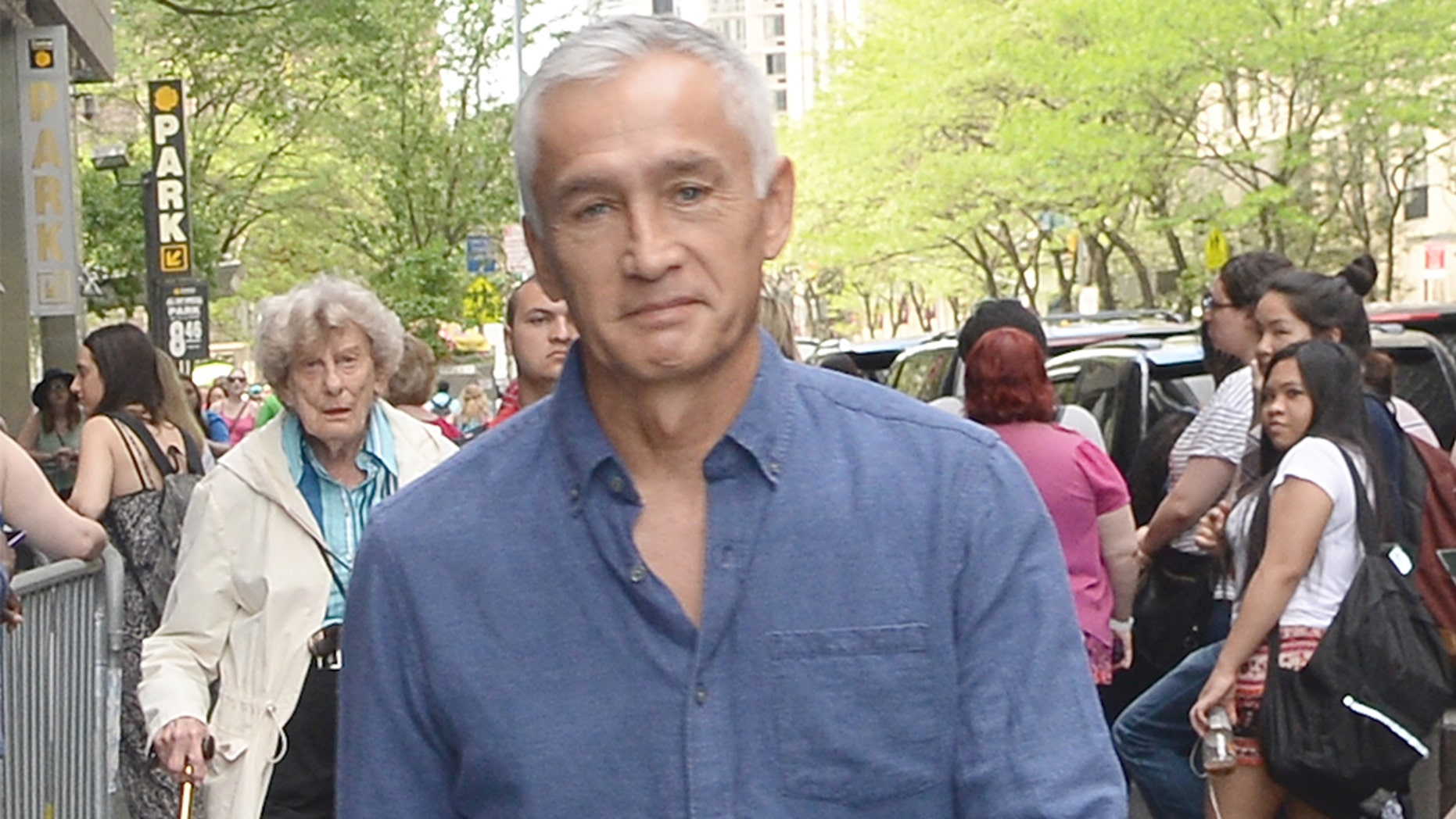 Univision anchor Jorge Ramos detained while interviewing Venezuela's Nicolas Maduro