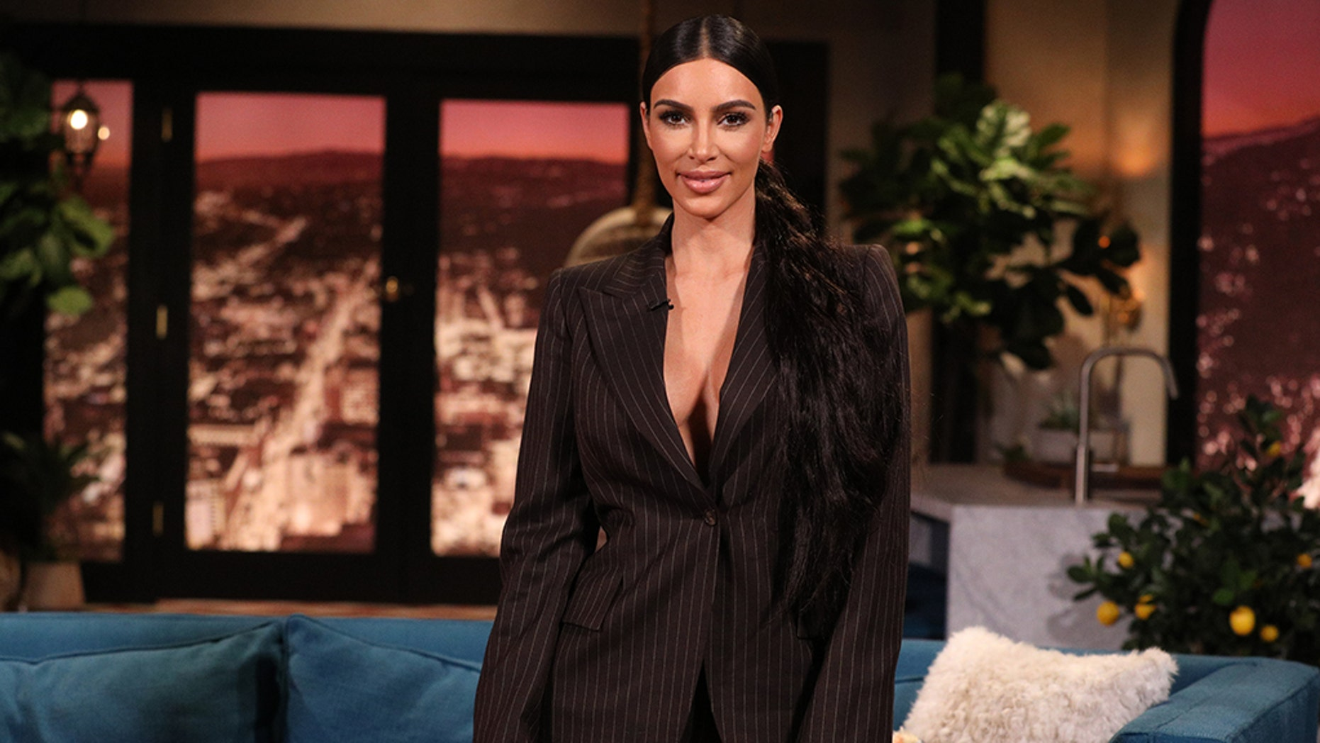 Watch Jimmy Fallon and Kim Kardashian West freak out touching mystery objects