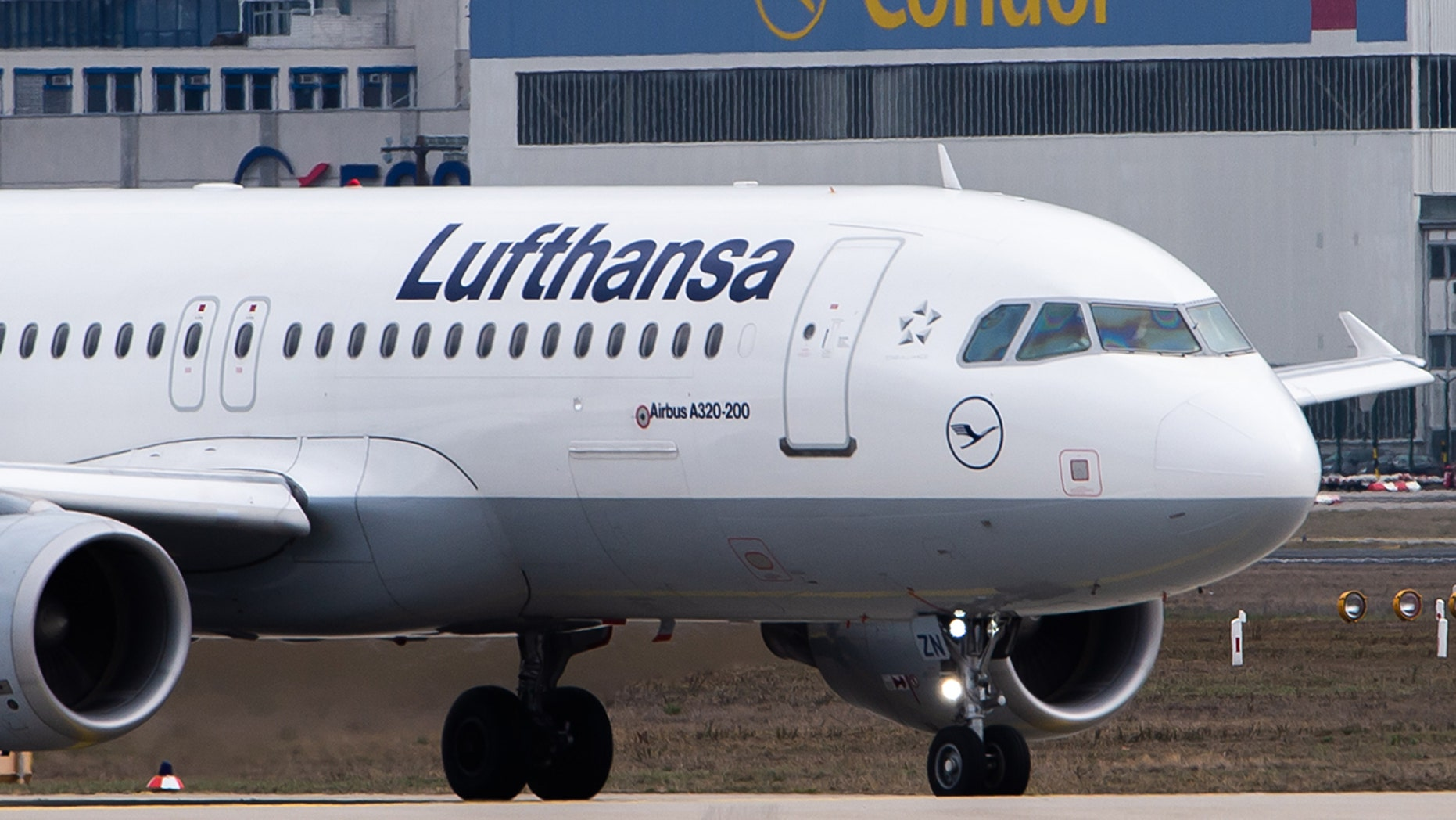 Lufthansa is suing passengers trying to collect more for already completed flights