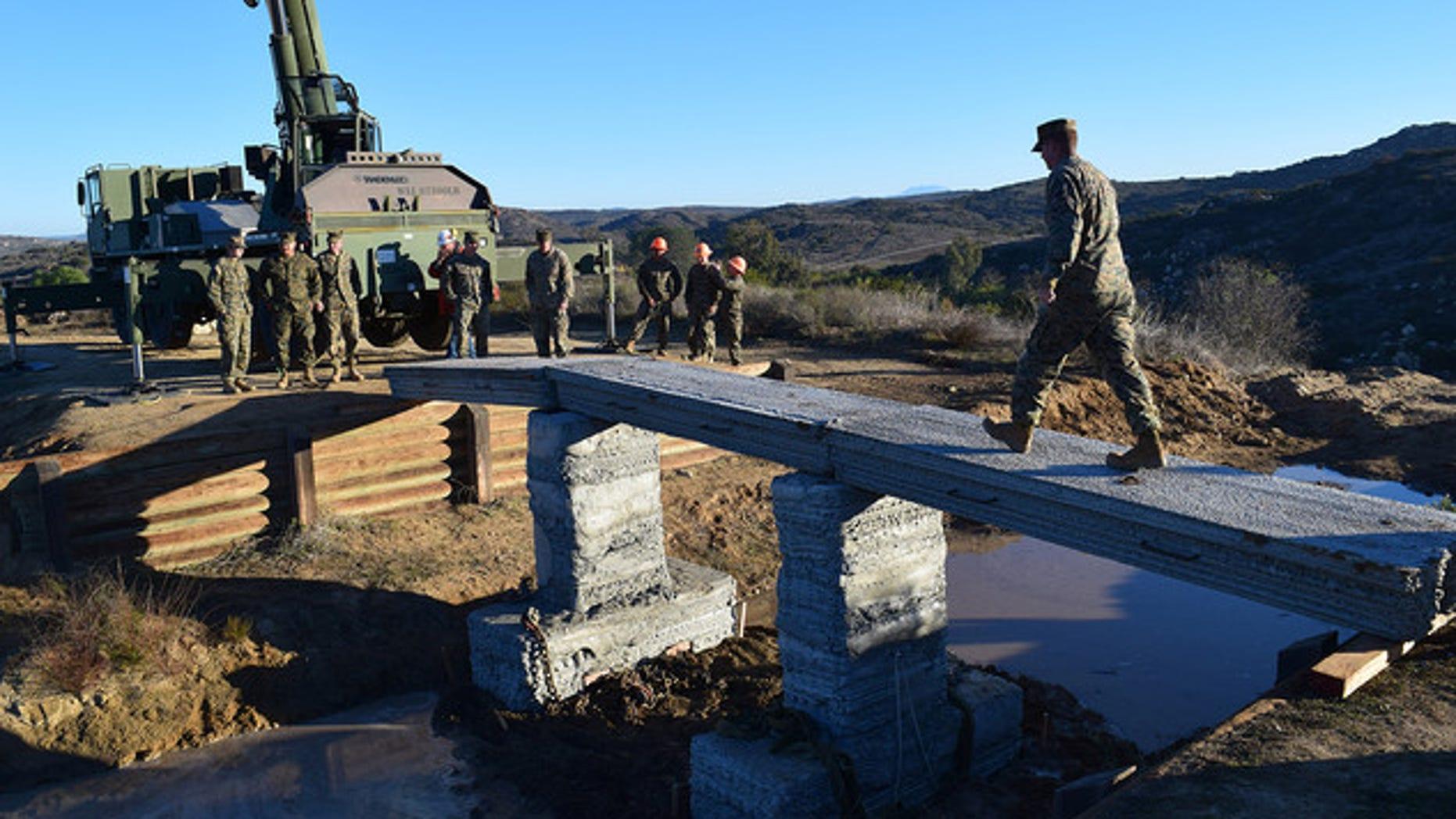 Marines 3D-print amazing concrete bridge