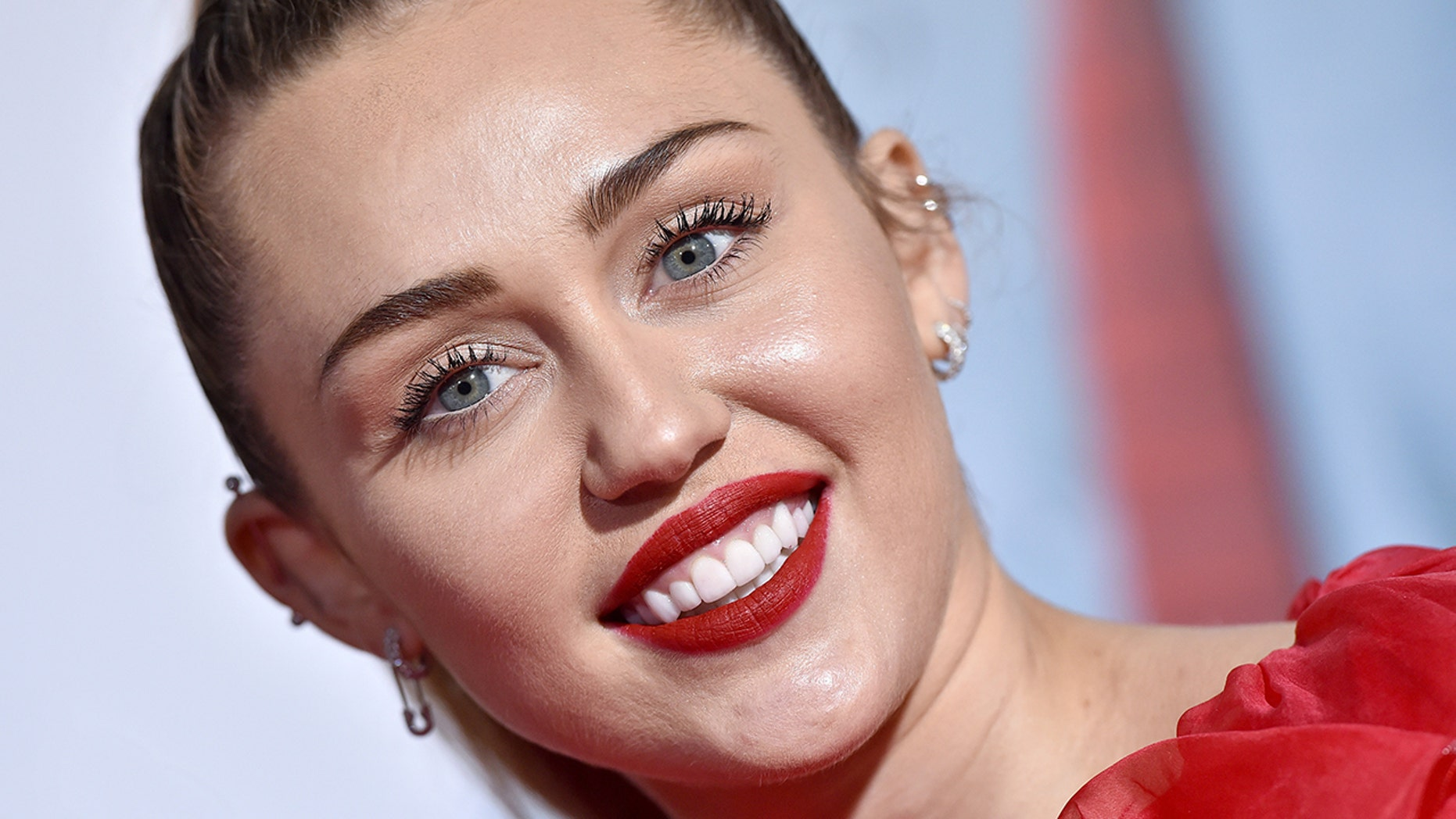 Miley Cyrus Sends Liam Hemsworth A Graphic Valentine