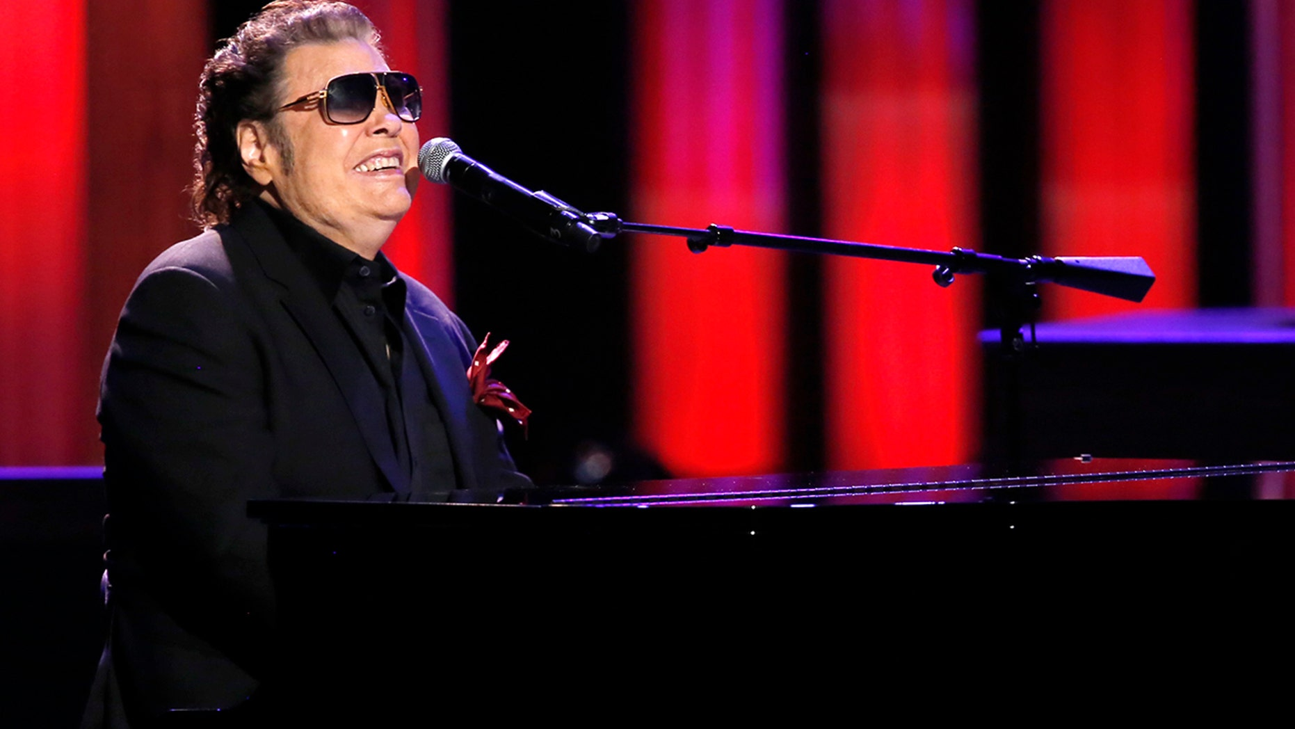 Singer Ronnie Milsap performs onstage at the Grand Ole Opry on Oct. 8, 2018, in Nashville, Tenn. (Getty Images)
