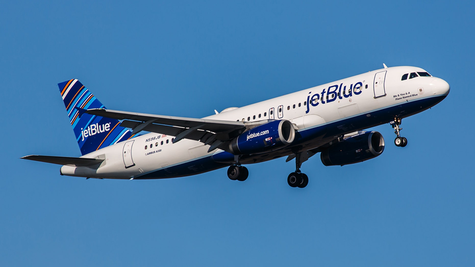 Woman gives birth on JetBlue flight from Puerto Rico to FL
