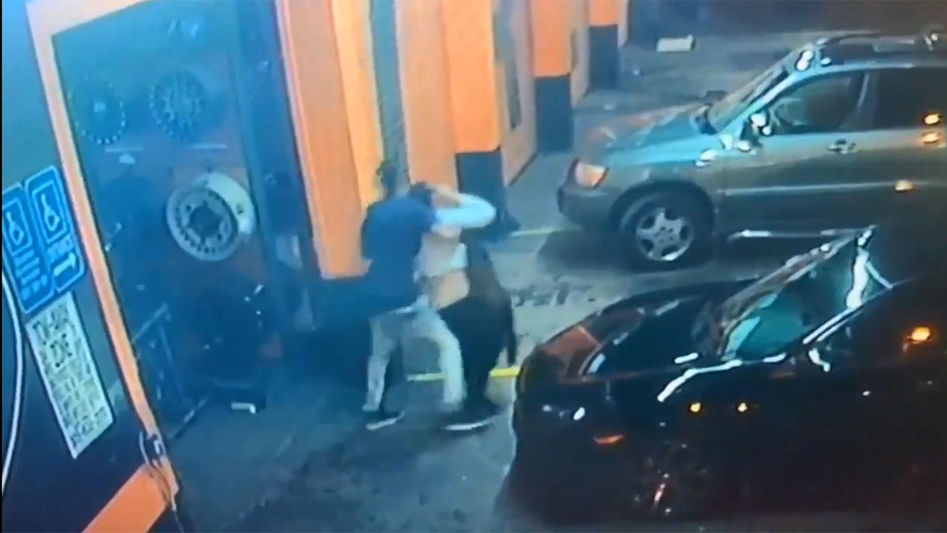 miami police investigate  abduction  woman caught  video fox news