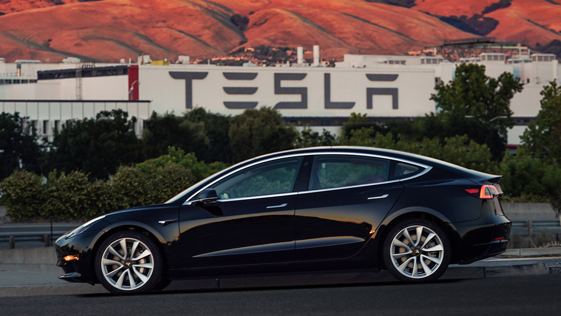 Tesla Model 3 Price Cut Again Now Starts At 42 900