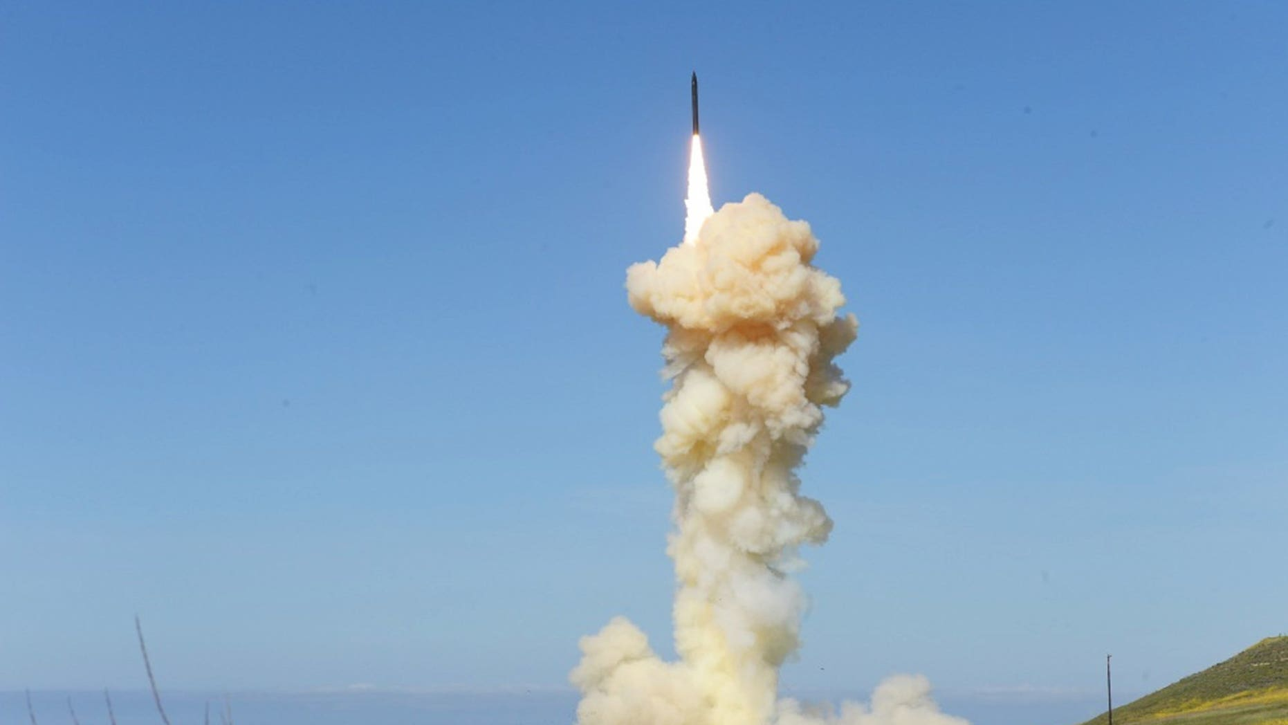 U.S. military says it conducts successful missile defence test
