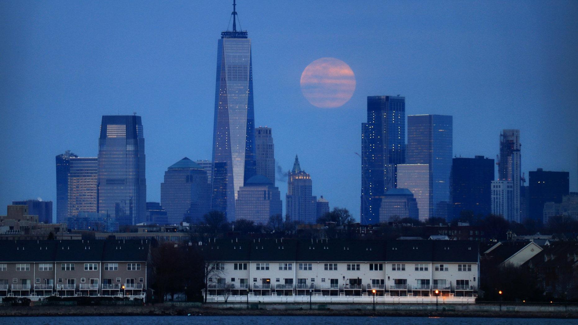 The full worm supermoon rises over Manhattan (Gary Hershorn / FOX News)