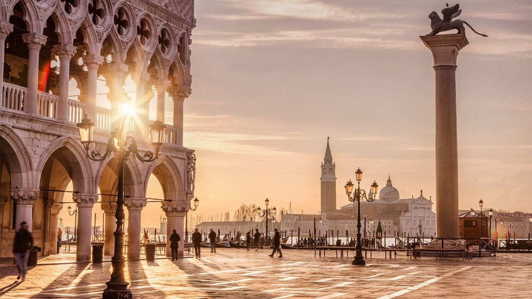 This week, the city of Venice approved a 3 Euro per person fee for all day-trippers. The new day-trip entrance fee will go toward maintaining the World Heritage site.