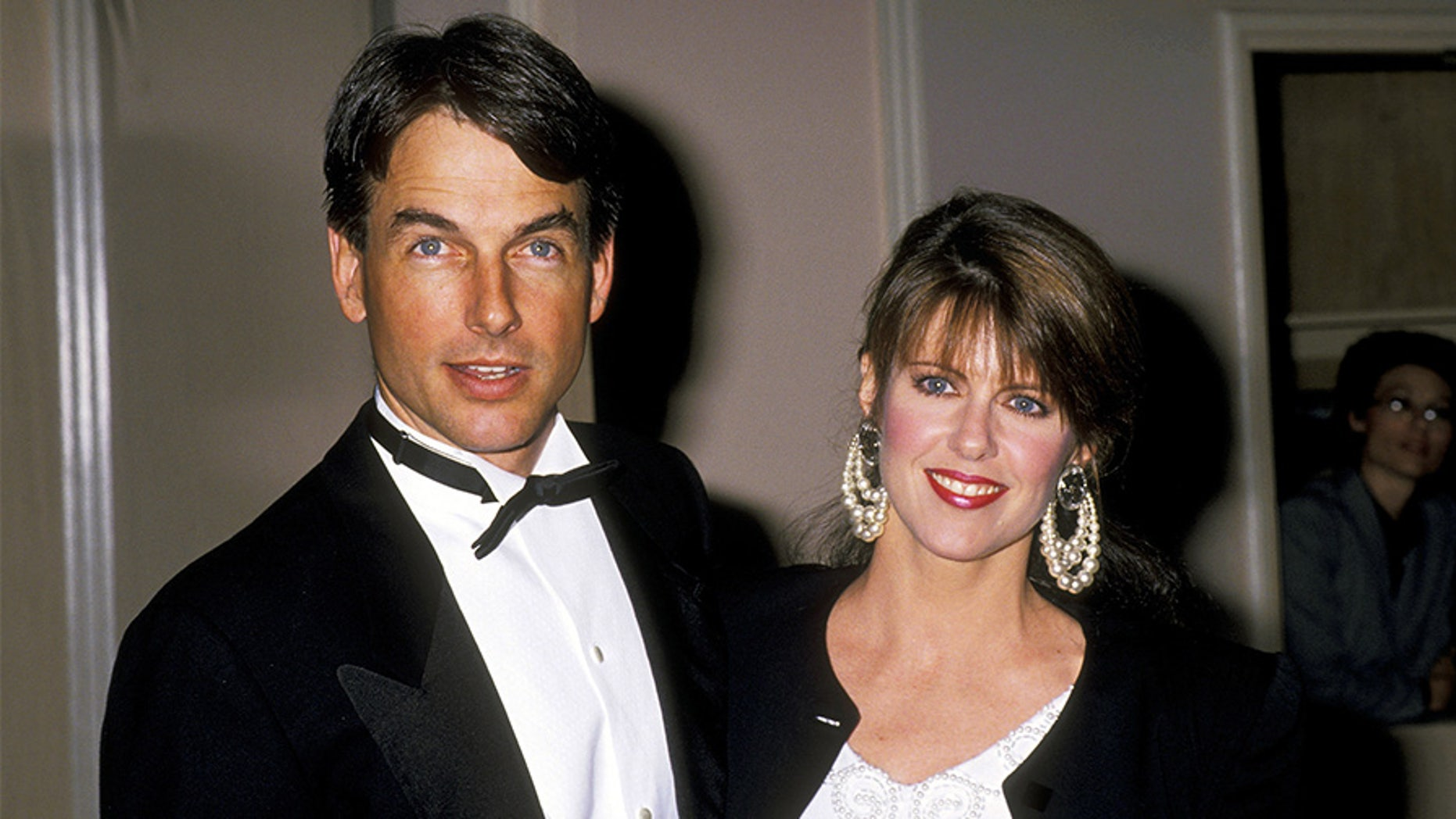 Mark Harmon and Pam Dawber.