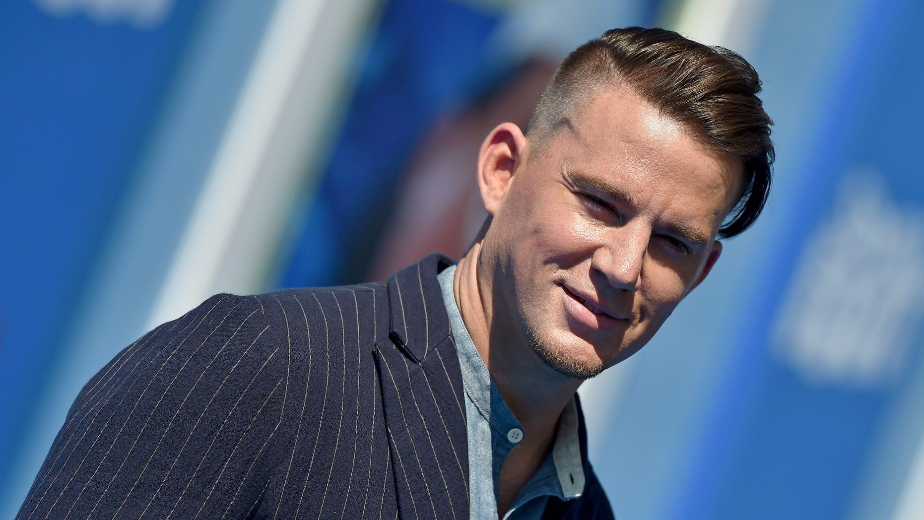 Channing Tatum Unveils New Blond Hair In Shirtless Selfie Gets Fans