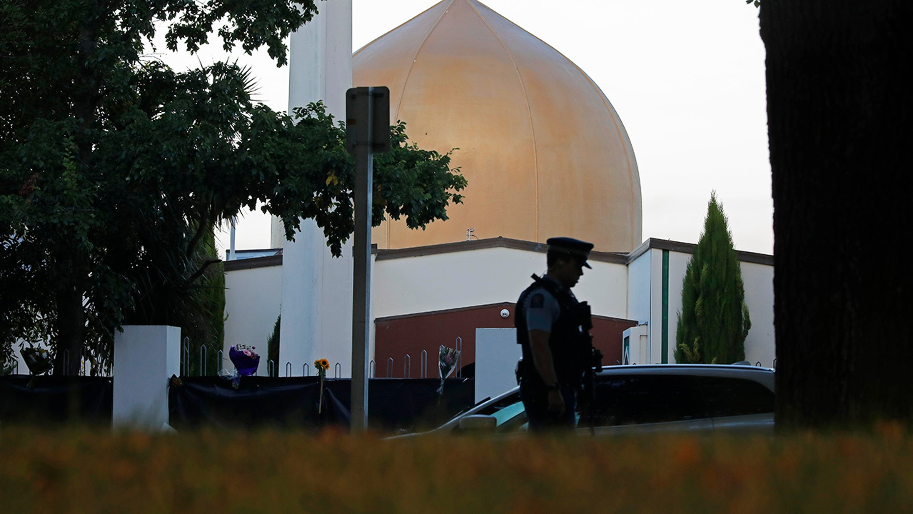 Masjid New Zealand Photo: New Zealand Mass Shooting Suspect Fires Attorney, Plans To
