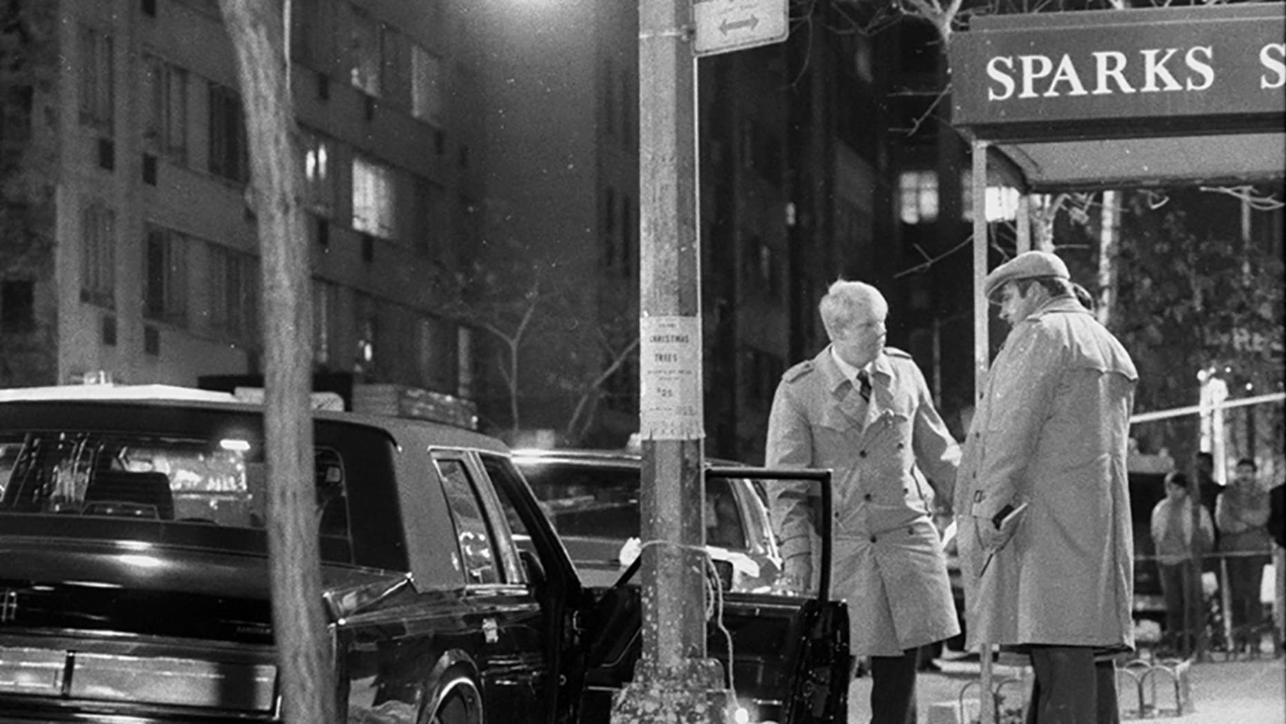 Detectives stand over the body of reputed mob boss Paul Castellano, after his execution on 46th St. in Dec. 1985 (Photo By: Tom Monaster/NY Daily News via Getty Images)