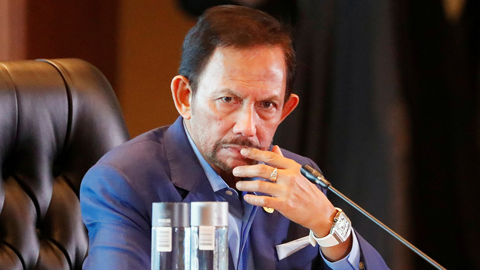 ?Brunei's Sultan Hassanal Bolkiah attends the retreat session during the APEC Summit in Port Moresby, Papua New Guinea, last November. (REUTERS/David Gray/File Photo)