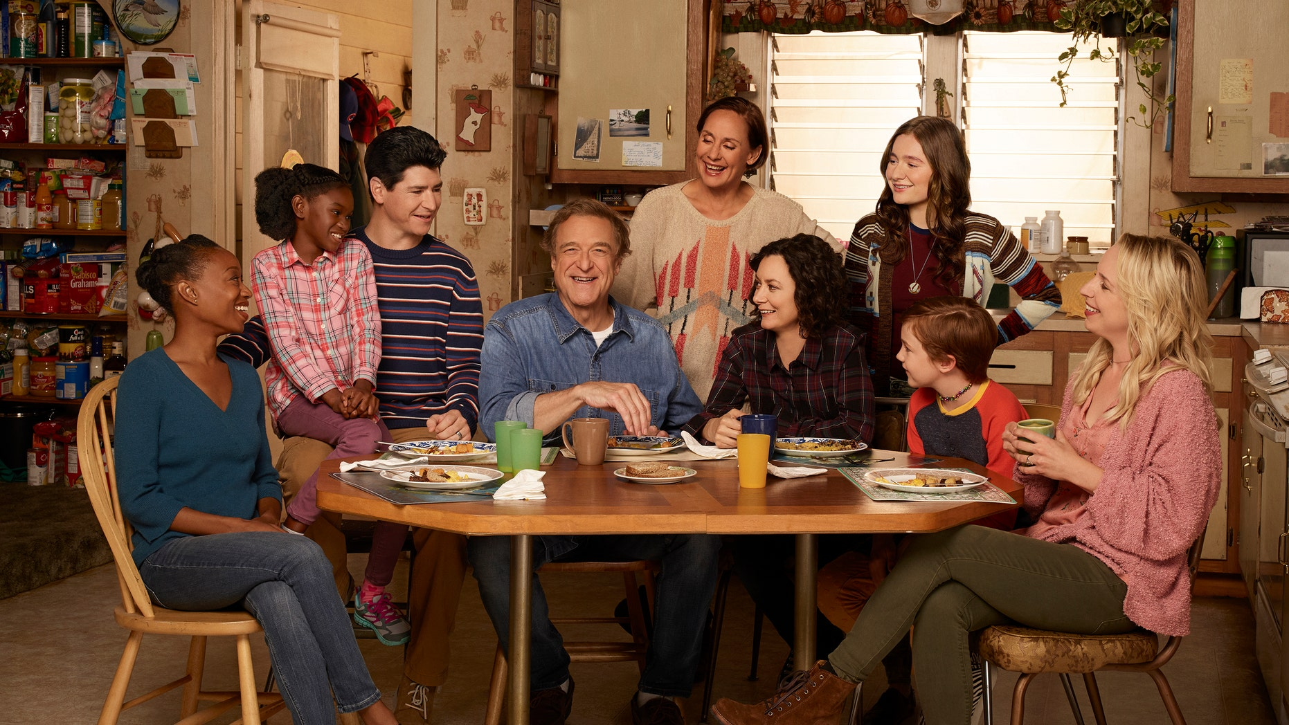 """""""The Conners"""" stars Maya Lynne Robinson as Geena Williams-Conner, Jayden Rey as Mary, Michael Fishman as D.J. Conner, John Goodman as Dan Conner, Laurie Metcalf as Jackie Harris, Sara Gilbert as Darlene Conner, Emma Kenney as Harris Conner, Ames McNamara as Mark, and Lecy Goranson as Becky Conner"""
