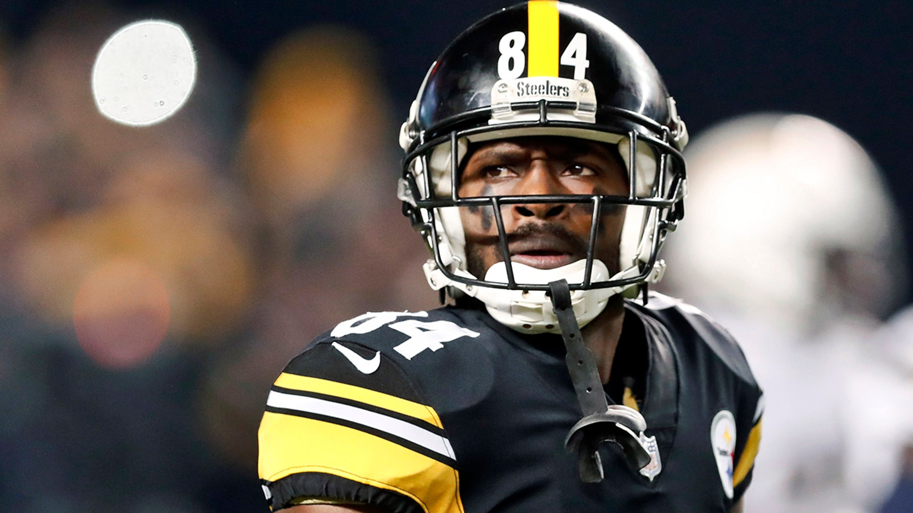 Pittsburgh Steelers wide receiver Antonio Brown (84) plays against the Los Angeles Chargers in an NFL football game in Pittsburgh, Dec. 2, 2018. (Associated Press)