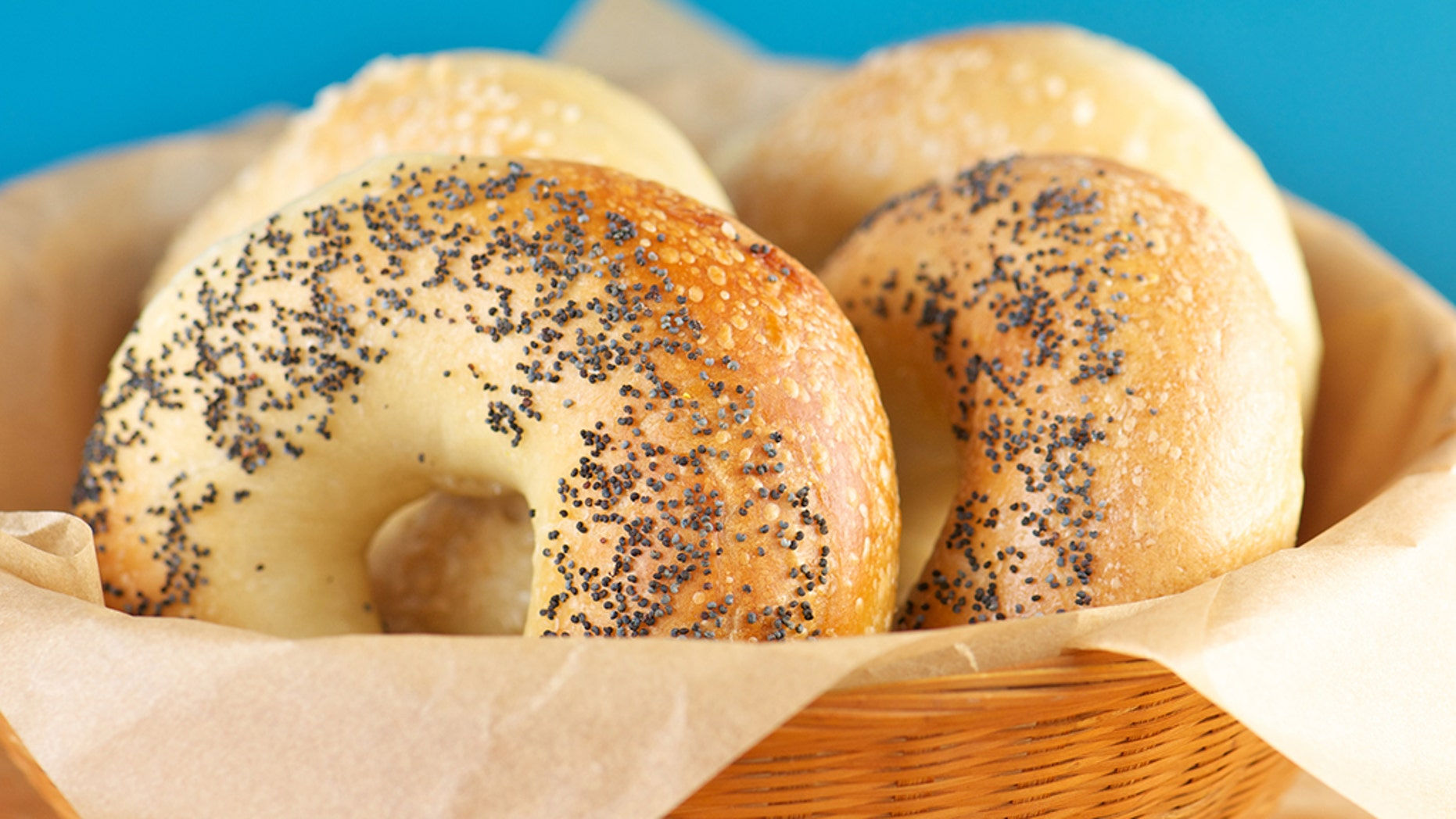 Should bagels be sliced like loaves of bread?