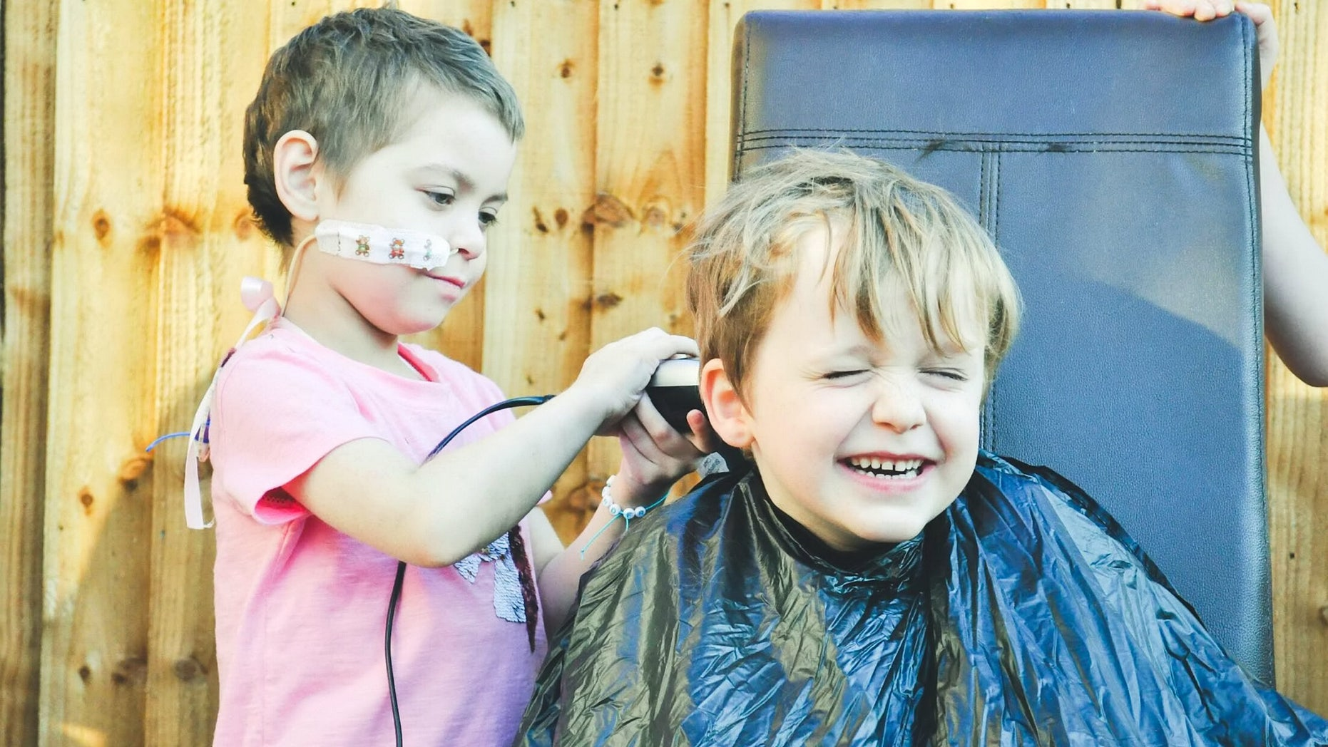 Lulu shaved off her best friend Oisín's hair after he asked how he could help fundraise for her treatment.
